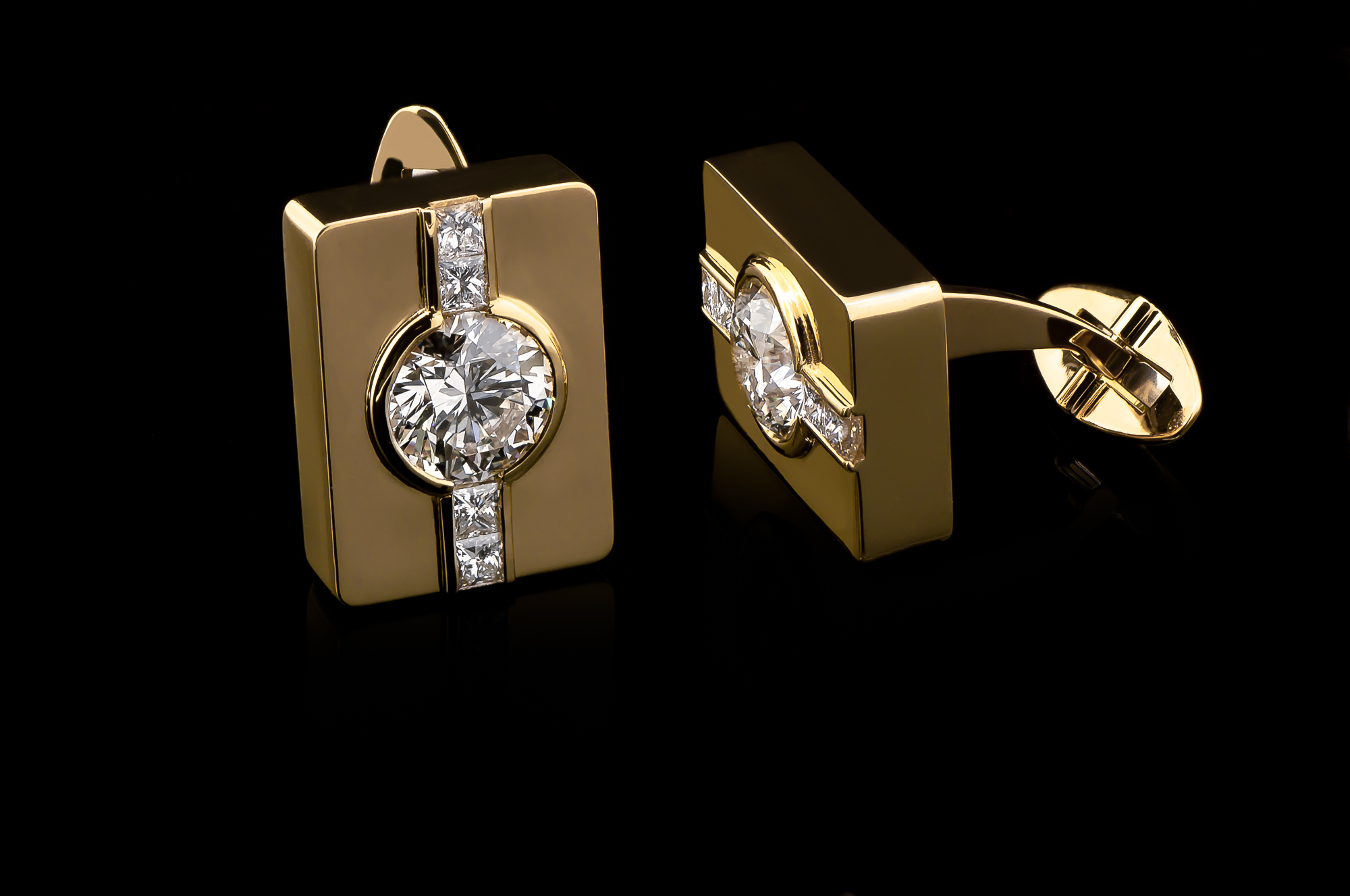 angela patin gold square cufflinks (1 of 1).jpg