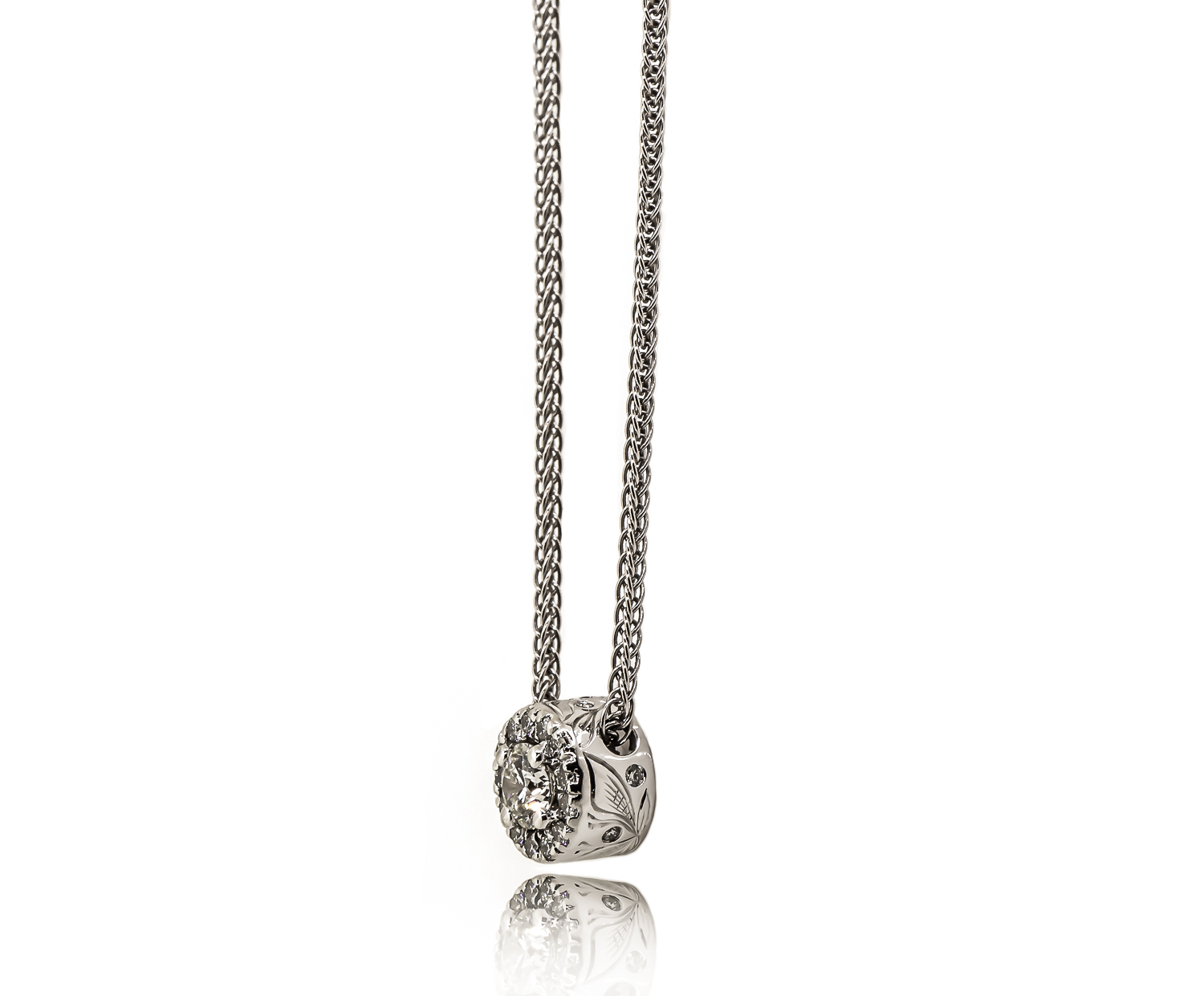 cabral pendant with engraving (1 of 1).jpg