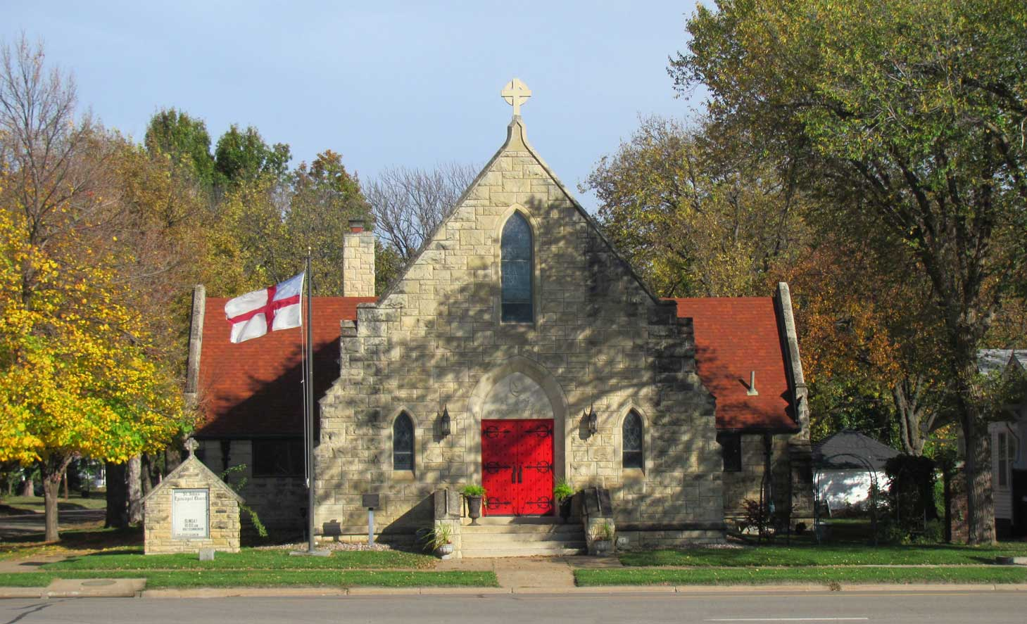 St. John's Episcopal Church has welcomed worshippers at this location since 1883.