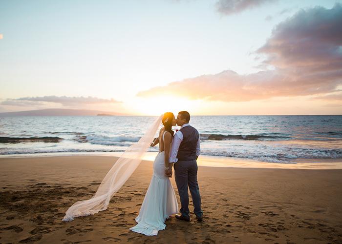 Maui-Beach-Wedding-041216-FEATURED.jpg