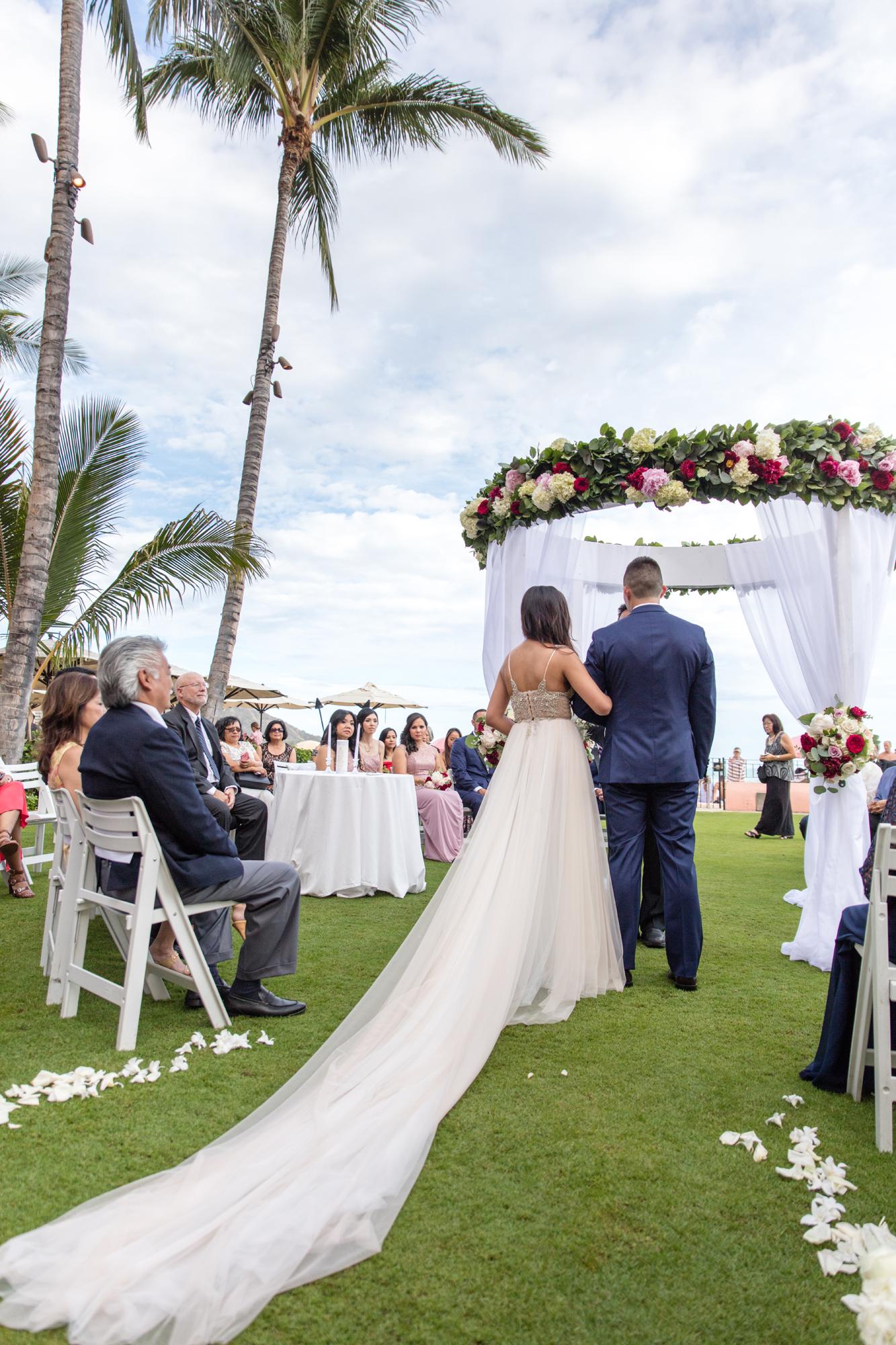Luxurious Resort Wedding At The Royal Hawaiian Hotel