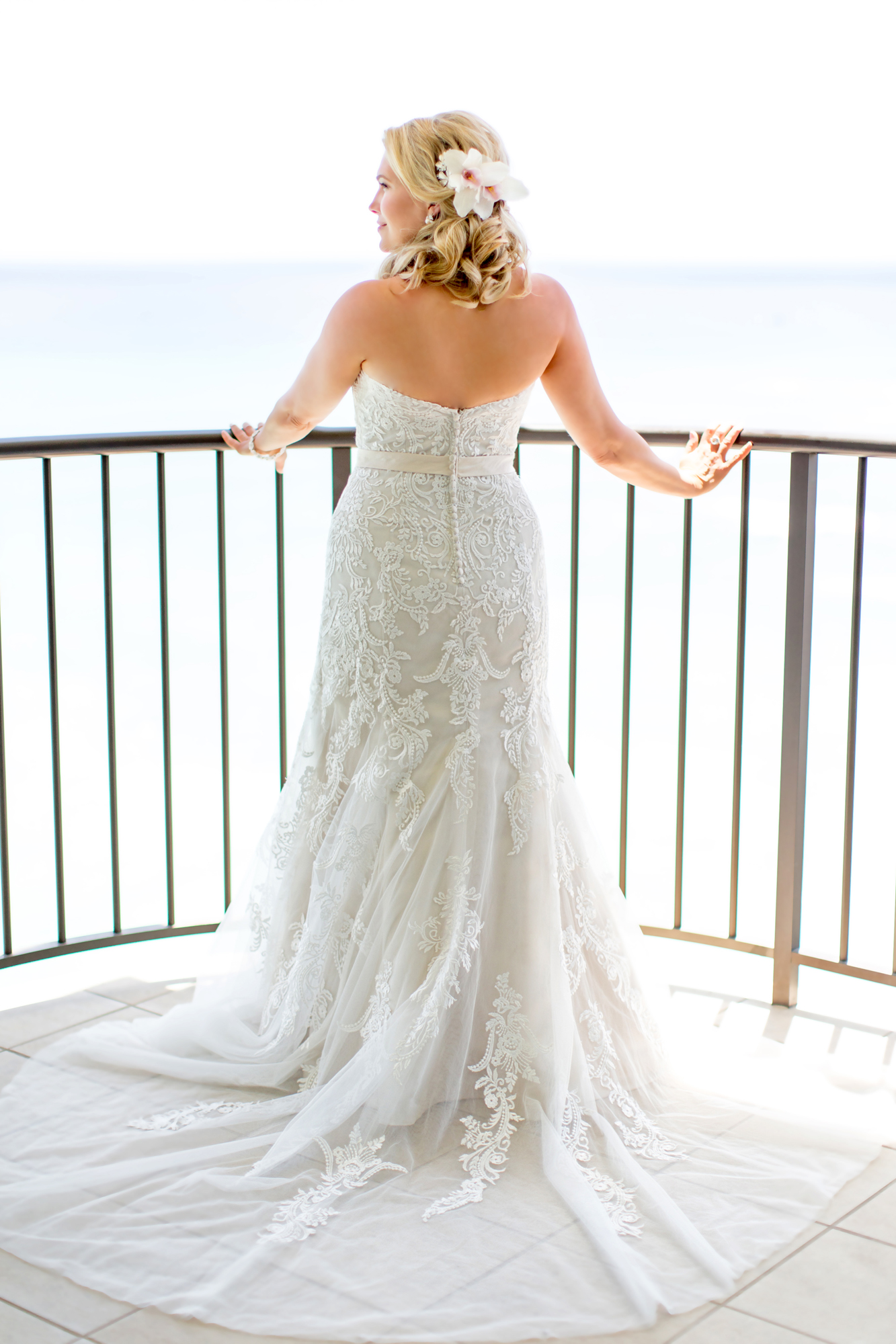 Waikiki Wedding At The Moana Surfrider