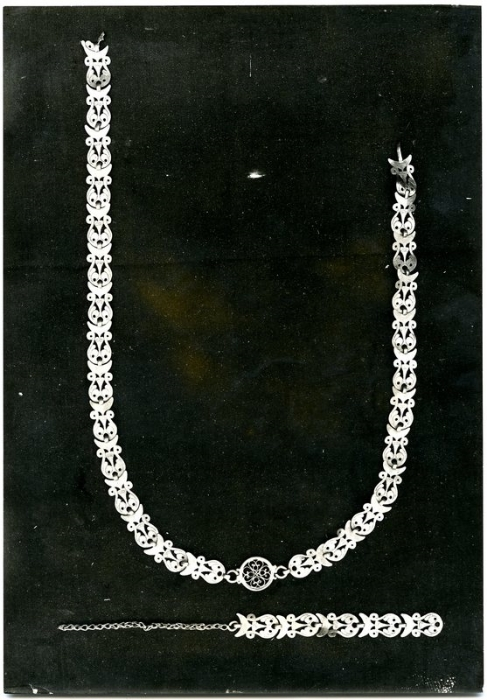The necklace as it was found in 1930.