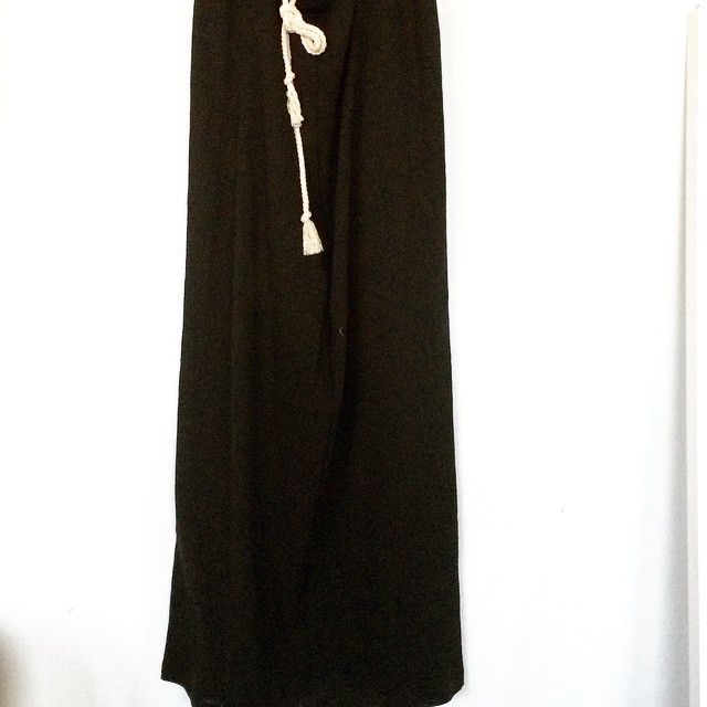 last minute rope tie maxi skirt. because I felt like wearing that. #gallery360springtrunkshow #maxiskirt #blackmaxi #cotton #pushingthedeadline
