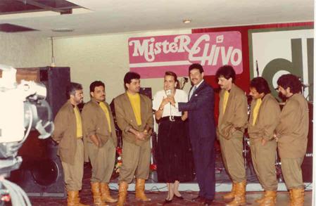 Enesa misma celebración, tuvimos como maestro de ceremonias a Esteban Rodríguez (ex-baterista de la Banda Macho) que en aquel tiempo fungía como conductor de algunas emisiones televisivas para el canal 8 (TV Azteca Monterrey).