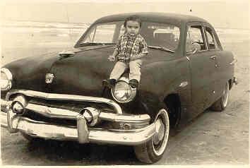 Mi infancia en Cd. Madero, Tamps. fue muy feliz. La playa y elcariño de mi familia siempre fueron el paisaje que me rodeó.