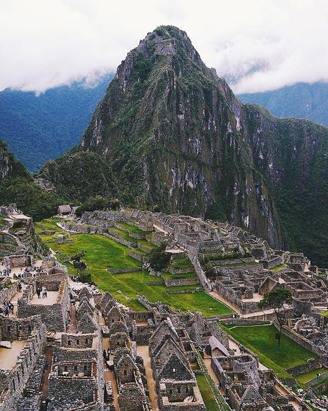 🌧 but amazing nonetheless 👍 #machupicchu #Peru