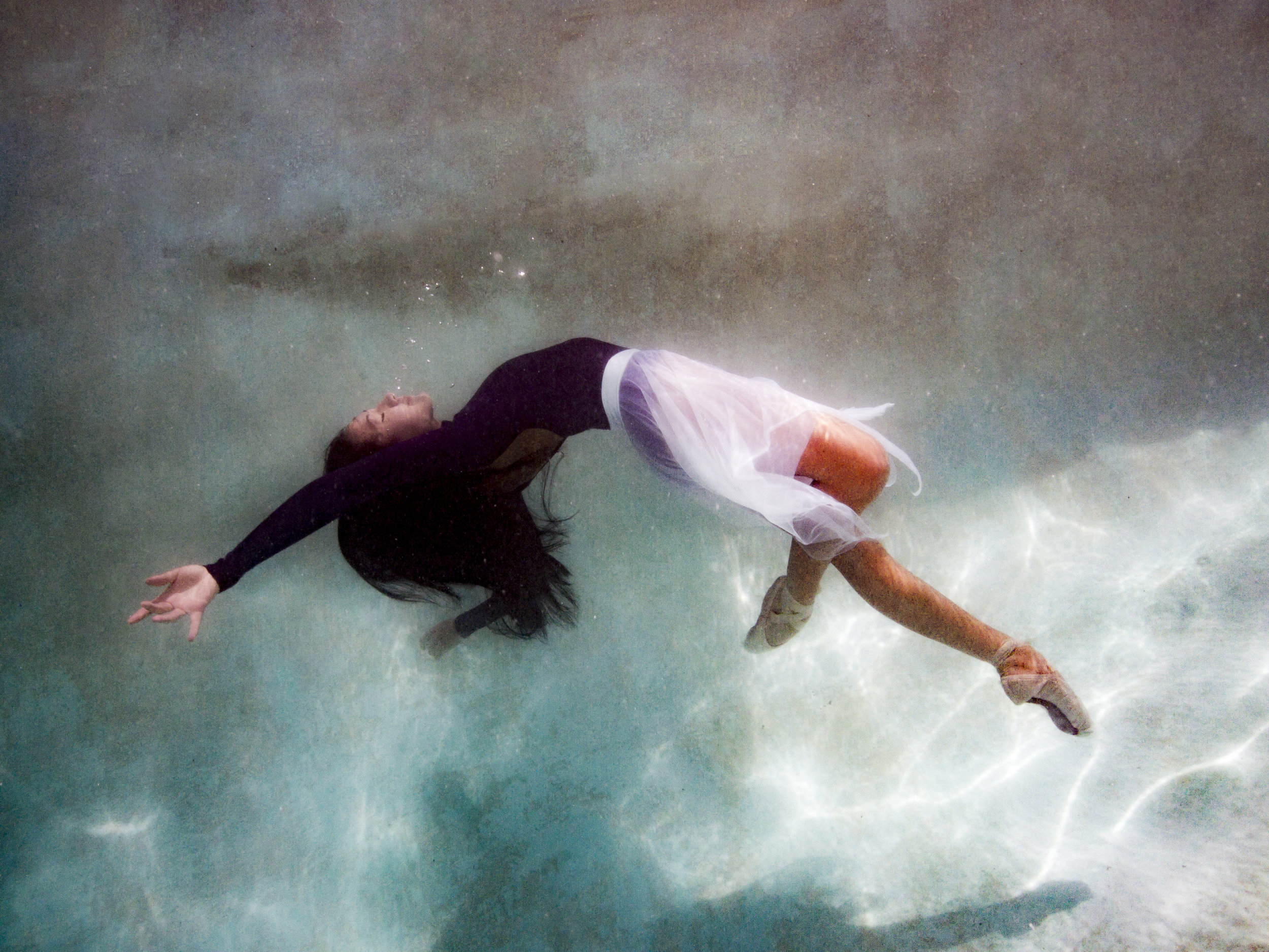 Faye Underwater-4.jpg