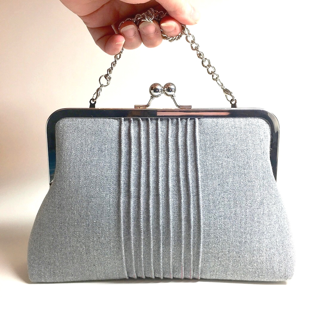 kisslock large purse. available with or without chain strap (two lengths options)