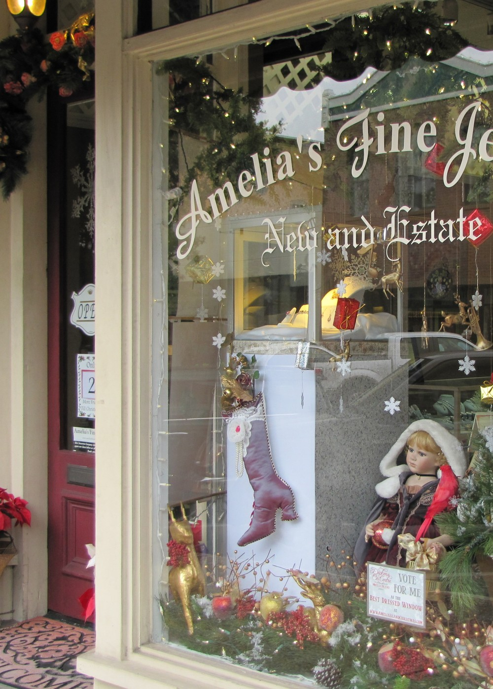 amelia's fine jewelry shop window amelia island