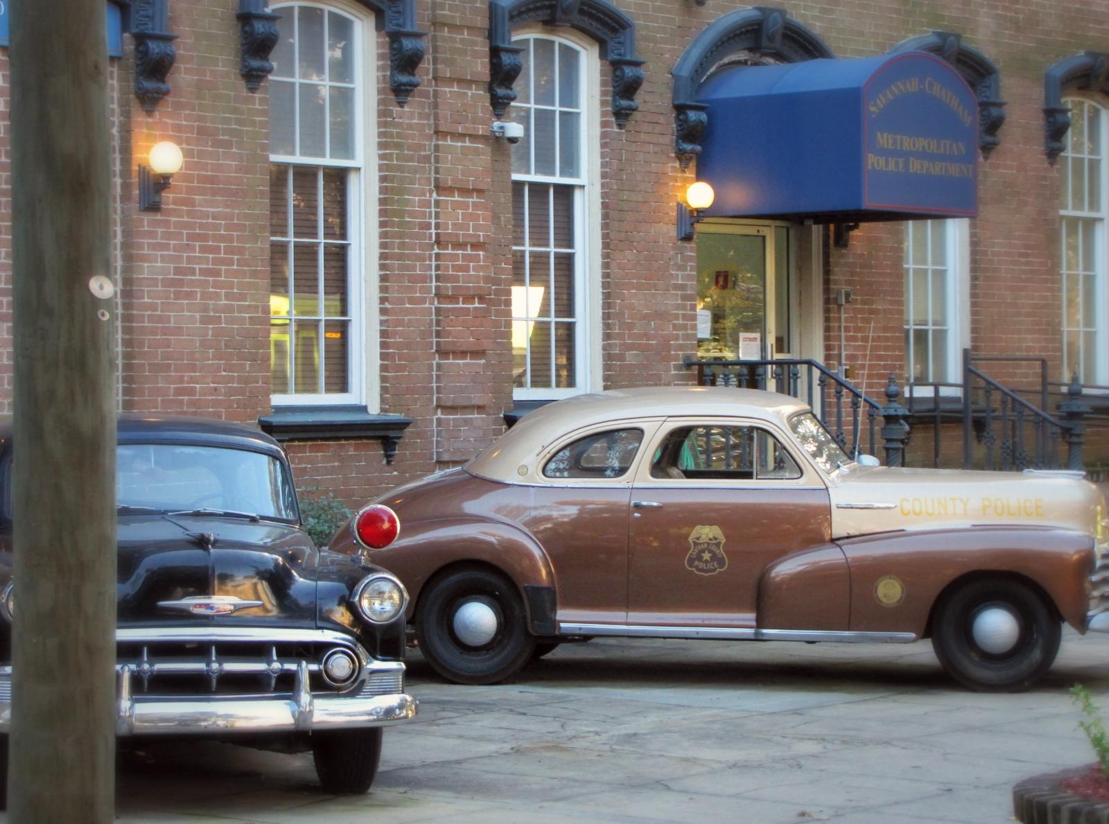vintage police car in Savannah