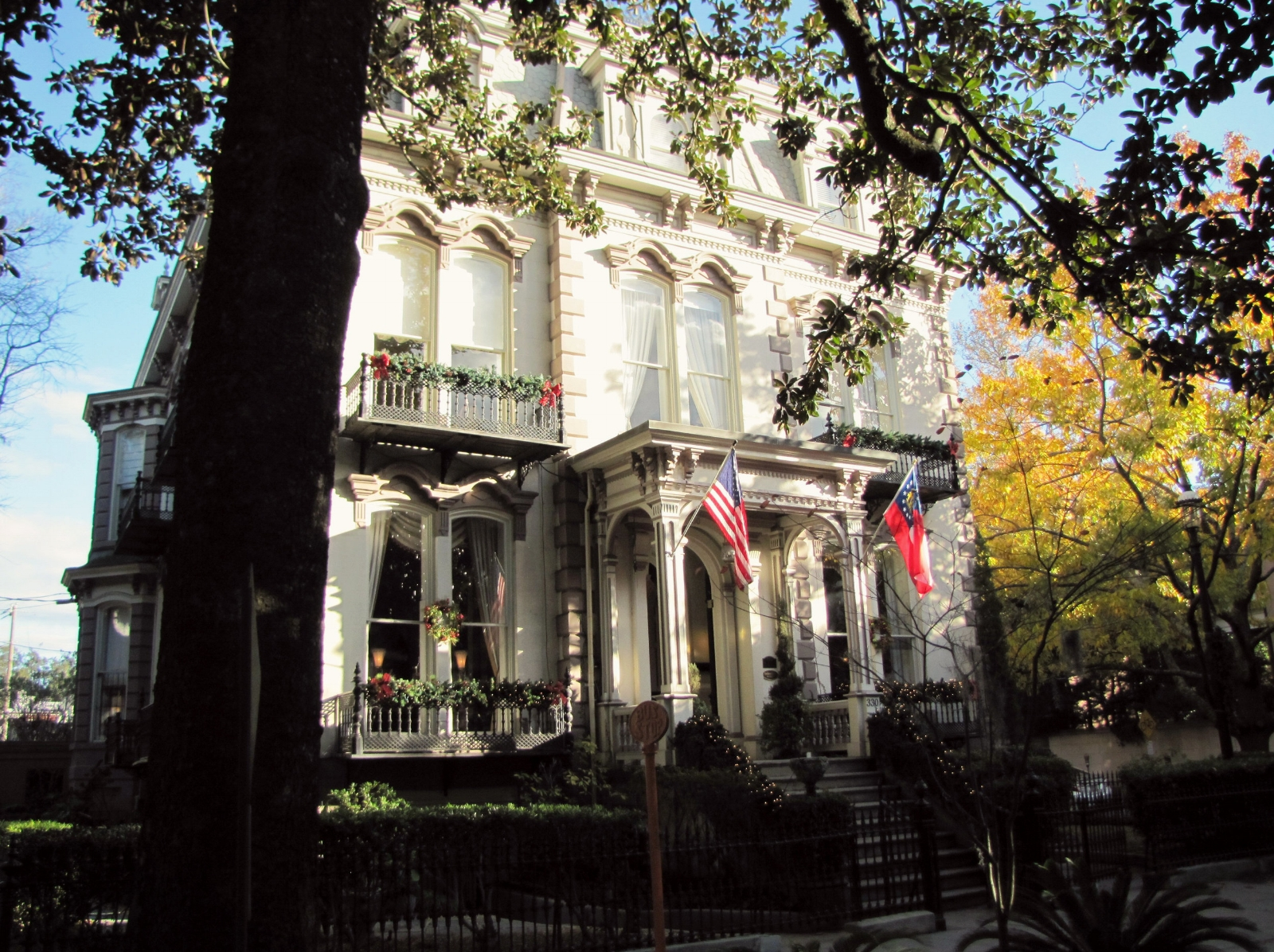 historic house in Savannah with flags