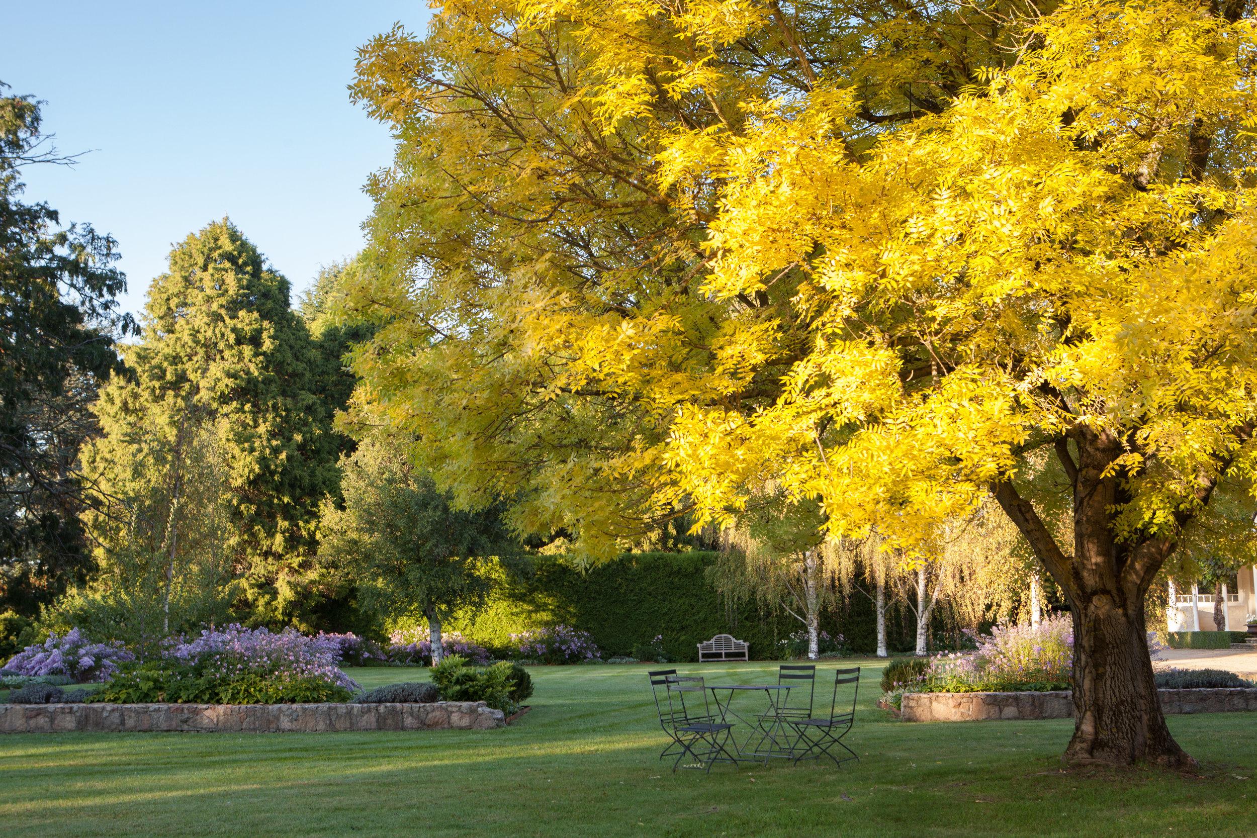 private garden tours autumn