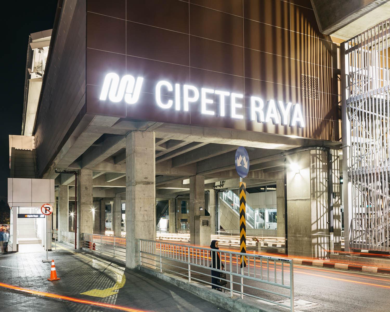 Cipete Raya station.