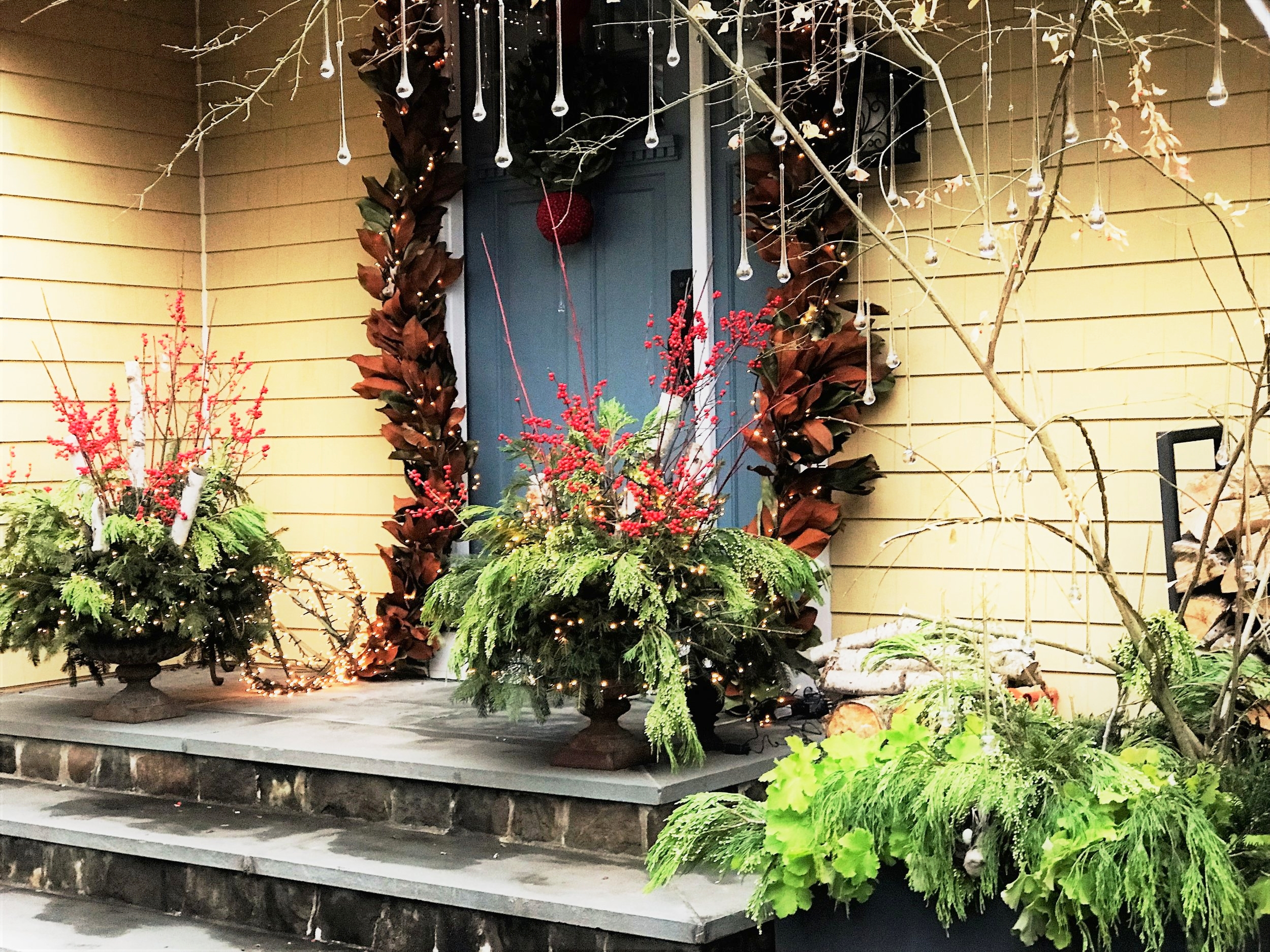 Norwalk Holiday Planters
