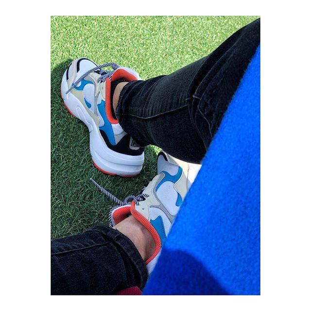 Mom sneakers