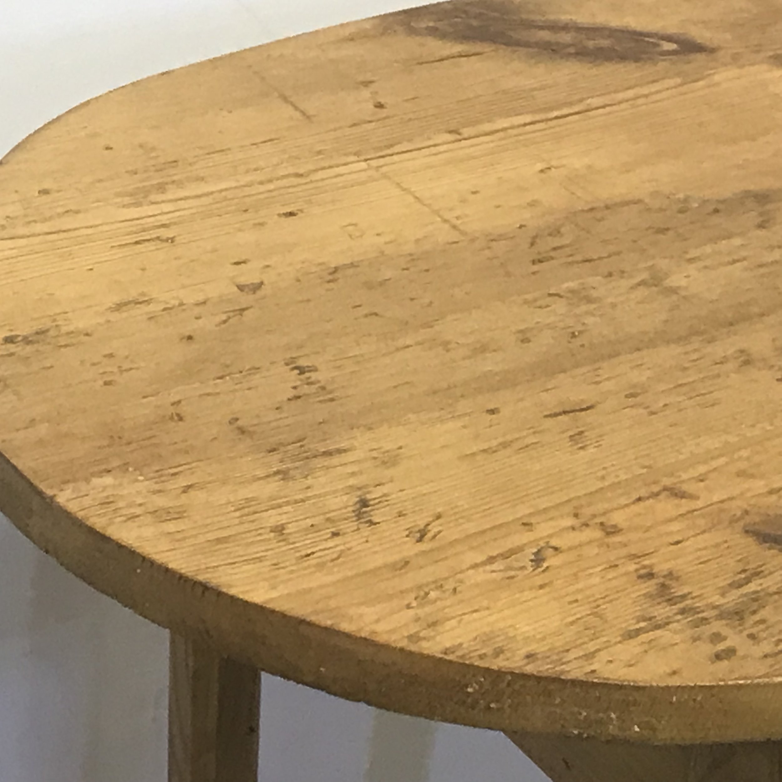 Oval pine table top