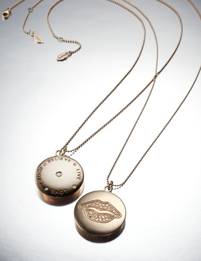 F_2 Lip_pendants love live 20543-2.jpg