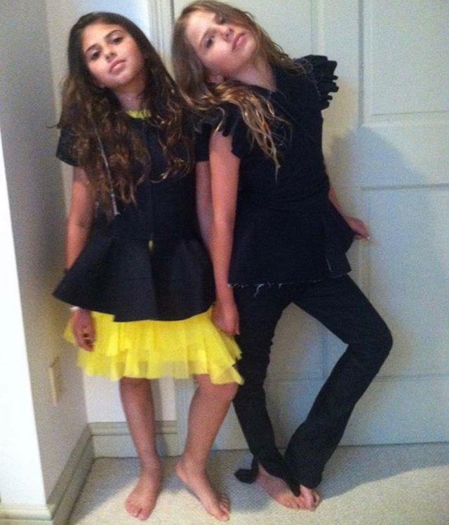the good ole days #sisters #dressup @sscarlettsiegel @jemmasiegel #bonnieyoung @by.bonnieyoung