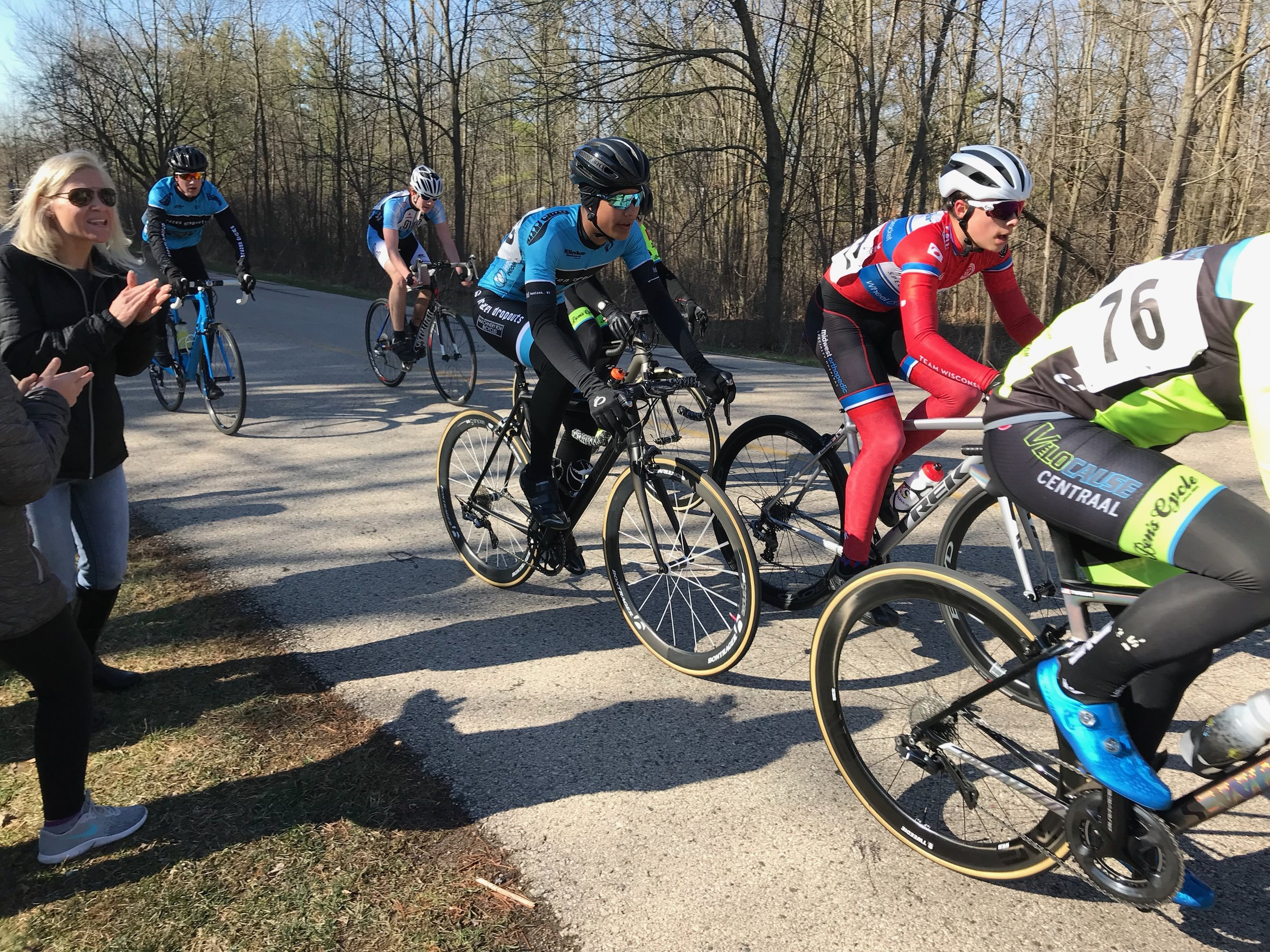 Jamani Bergh patiently waiting to make his move in the Juniors 15-18 race (Photo: Rachel Bergh).