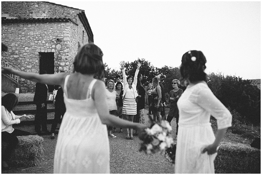 same-sex-wedding-bouquet-love-france