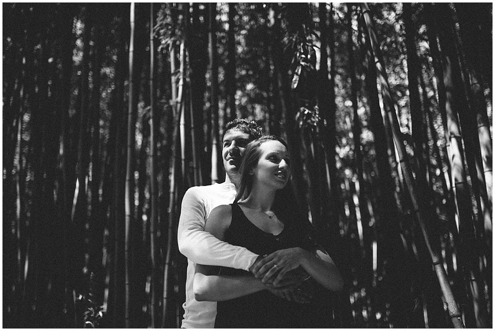 couple-love-session-jardin-plantes-france-montpellier