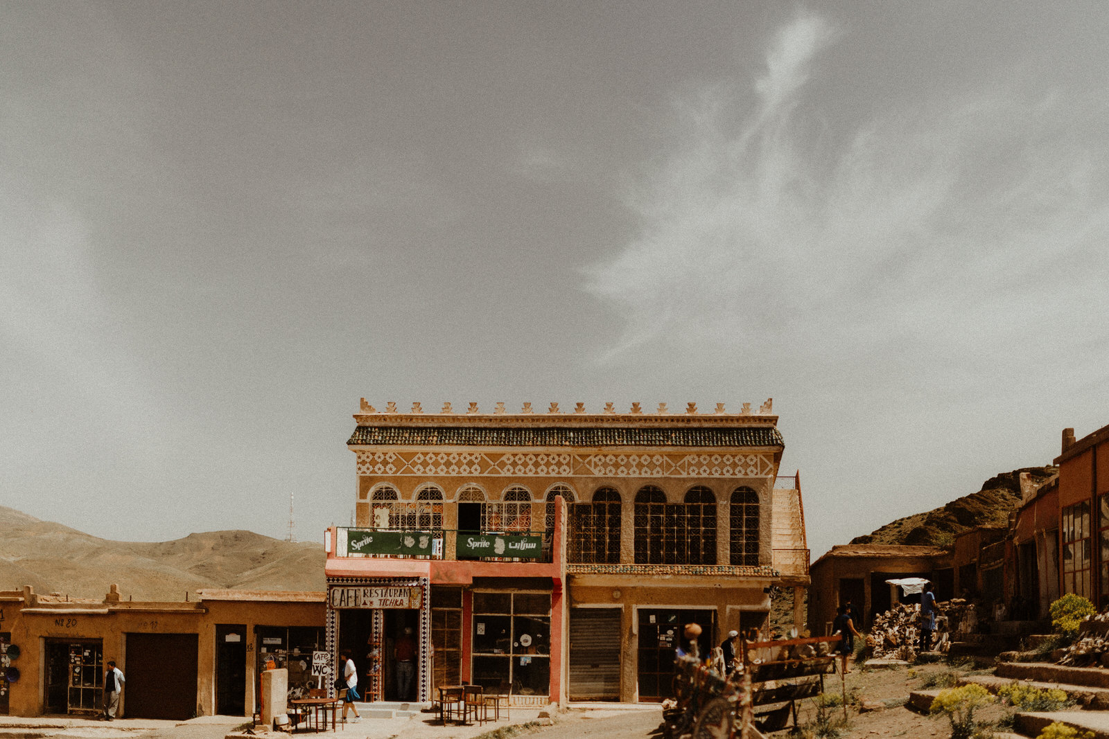 morocco-maroc-turism-lovers-fell-desert