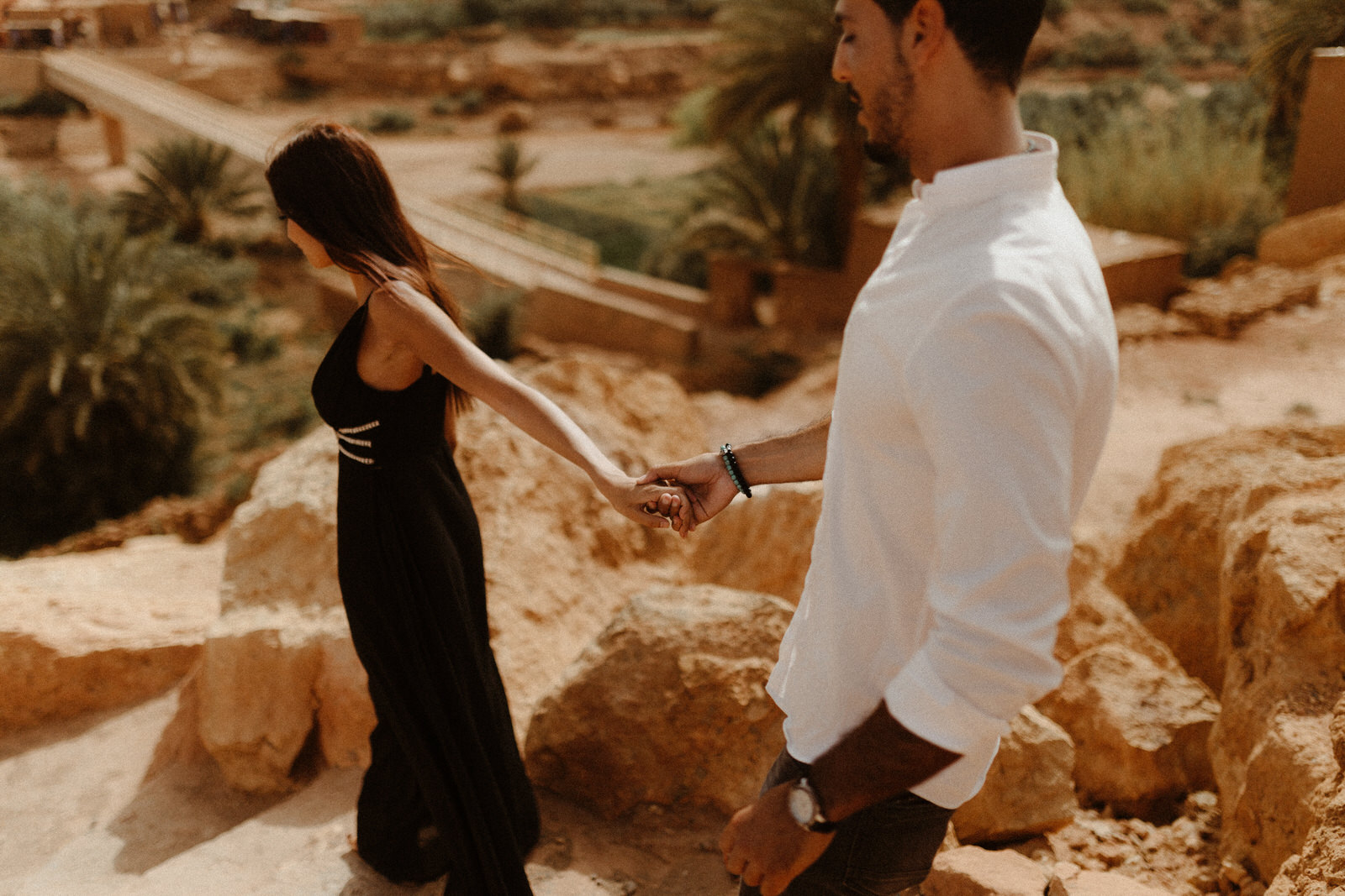 love-session-couple-hands-together-light-chaser-morocco