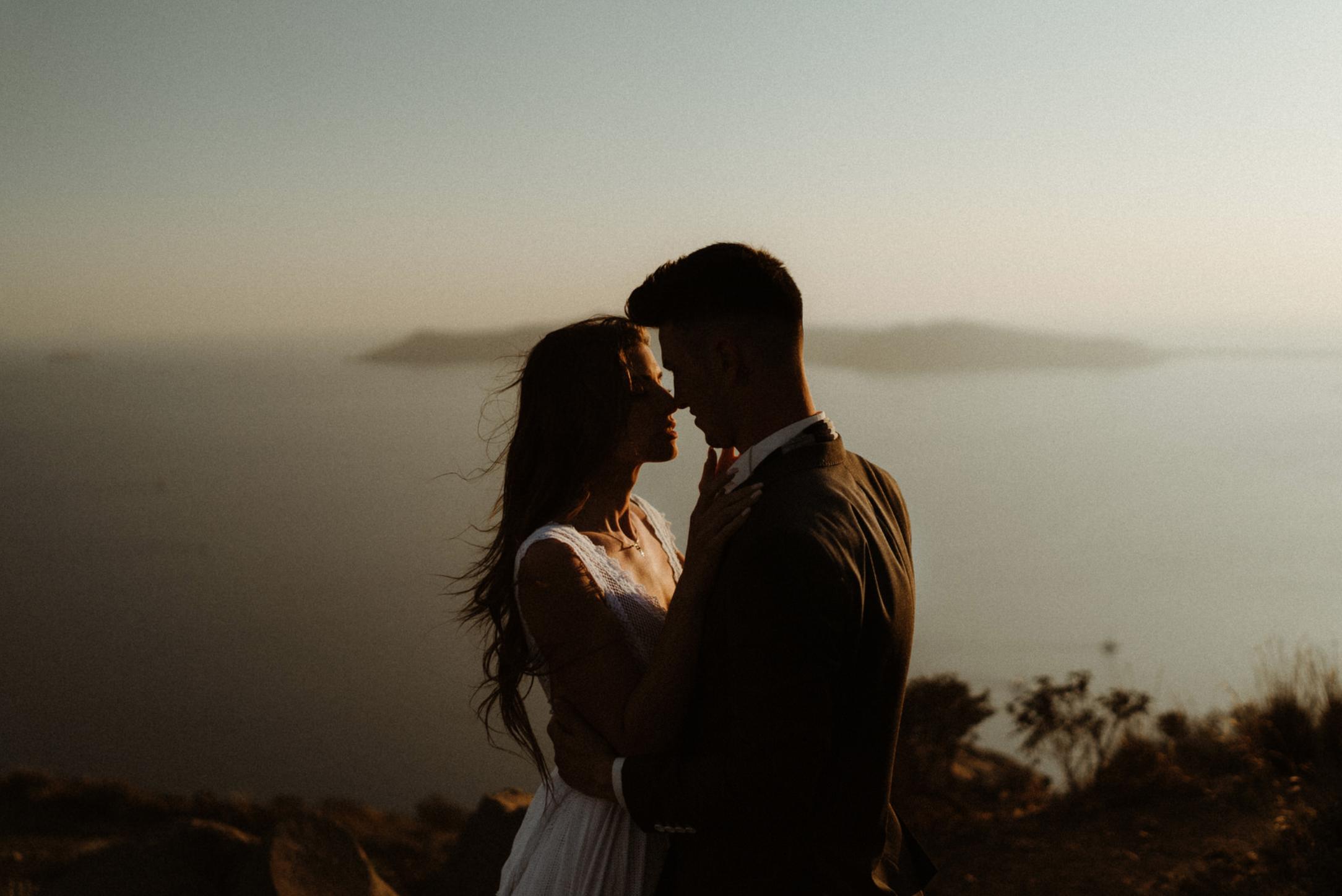 couple-goals-session-kisses-hugs-connection