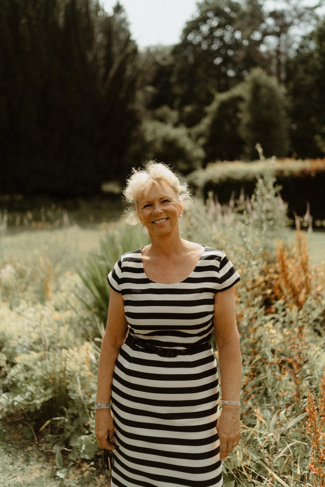 CELEBRANT :  Gillian Philips  FROM FUZE CEREMONIES