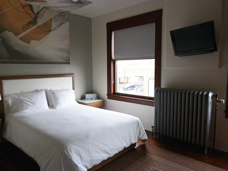 P1120370 room 209.jpg