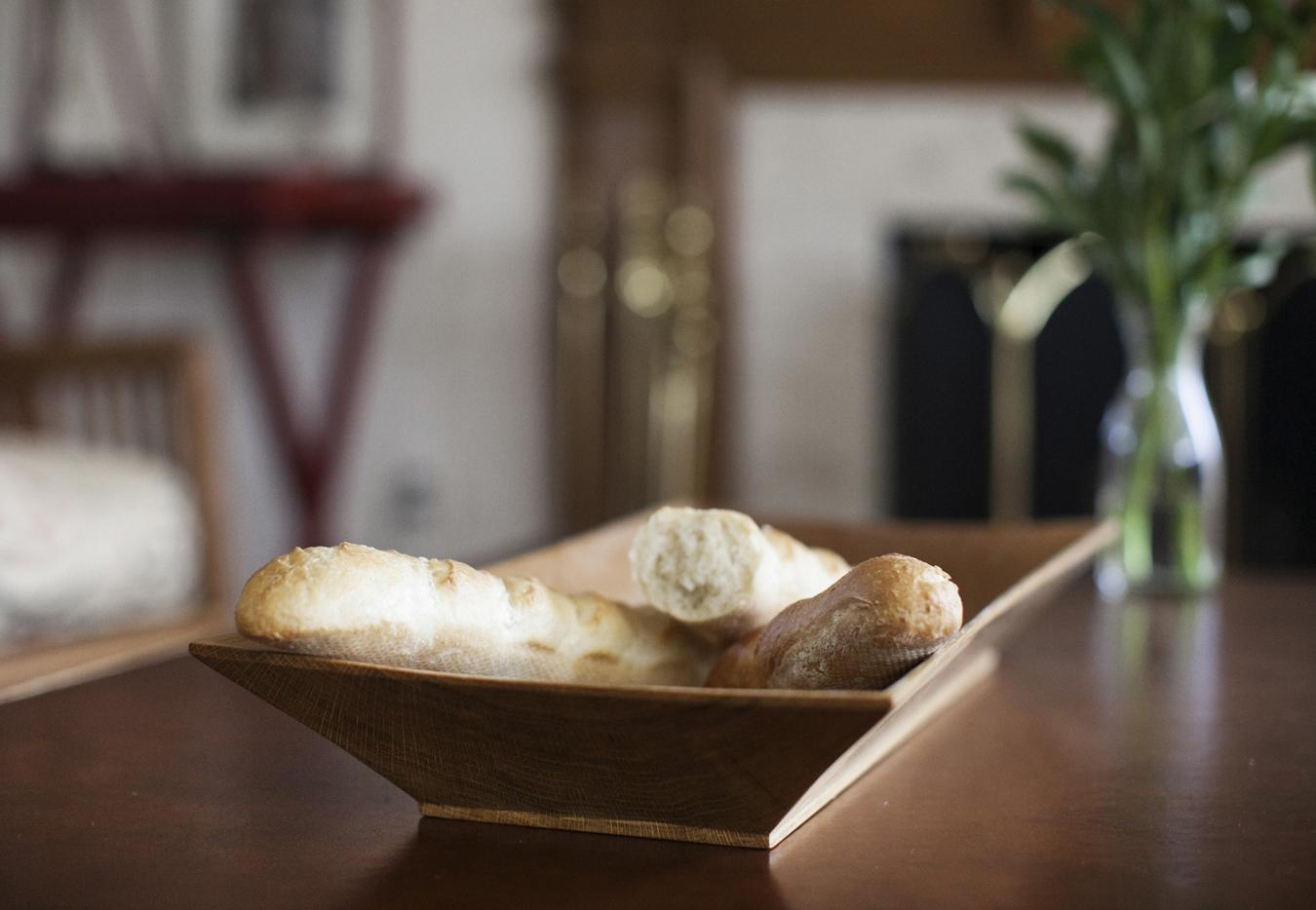 R_Rect Bowl w Bread_3573.jpg