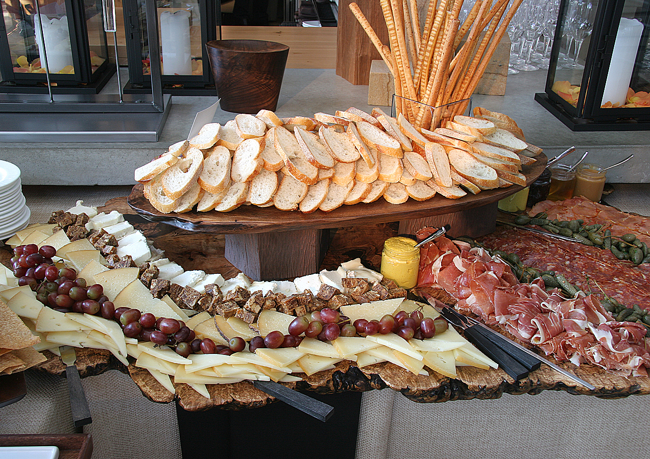 Wood Platter 6 - fruit + cheese + crackers 1.jpg