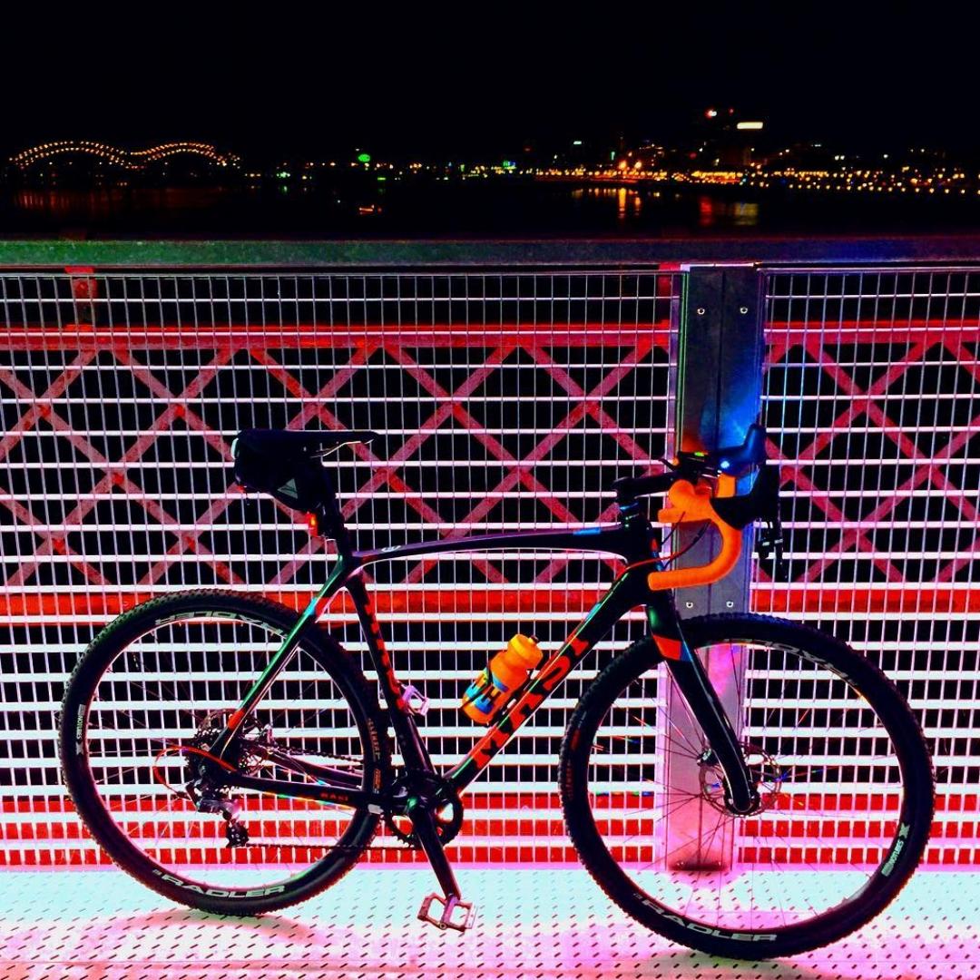 Harahan Bridge at night