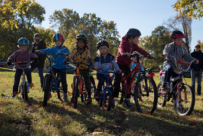 Kids cyclocross starting line