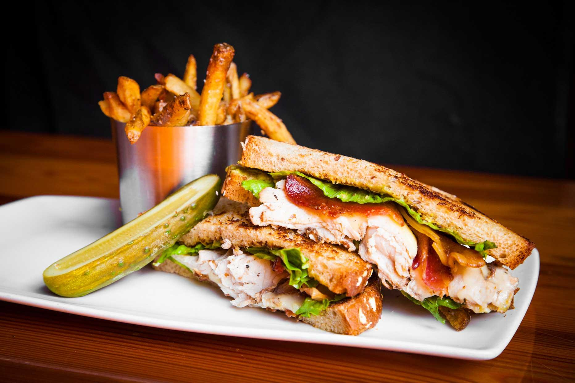 state allen smoked turkey club sandwich