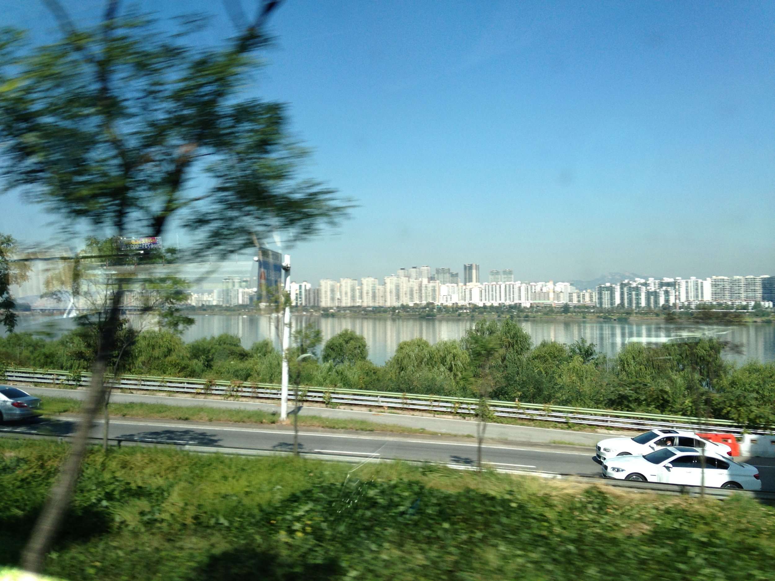 Lost luggage, business class and budget food in Seoul