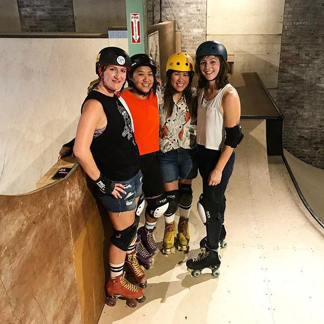 A wheely good time was had 👯♀️👯♀️ - #wheelfriends #tacoma #moxirollerskates #skate #skateventure #5thfloortacoma @iloveyoon @kid_ace @genniferem - 📸 @rfspence