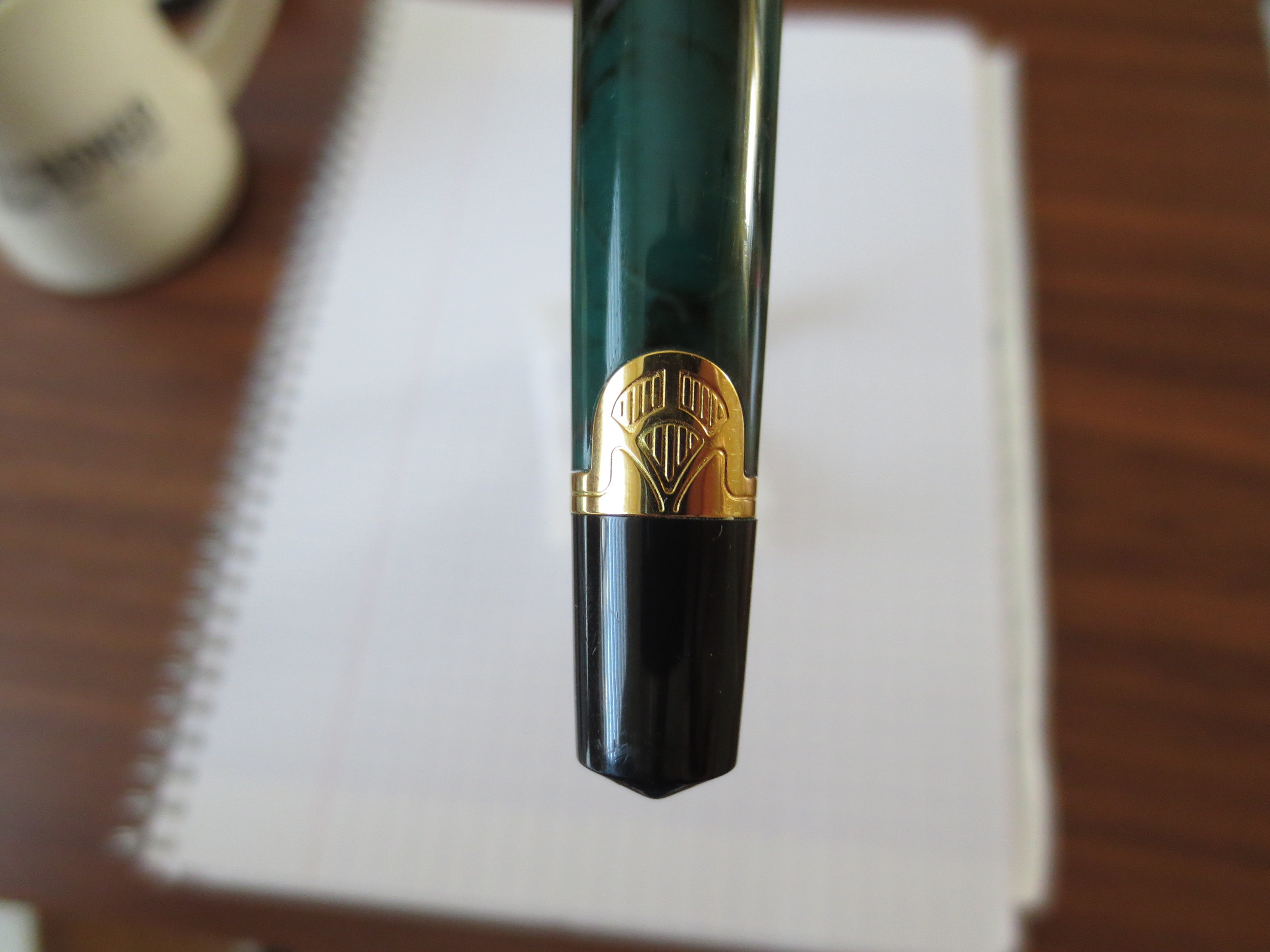 Note the art deco styling--something you don't see very often in budget pens anymore.
