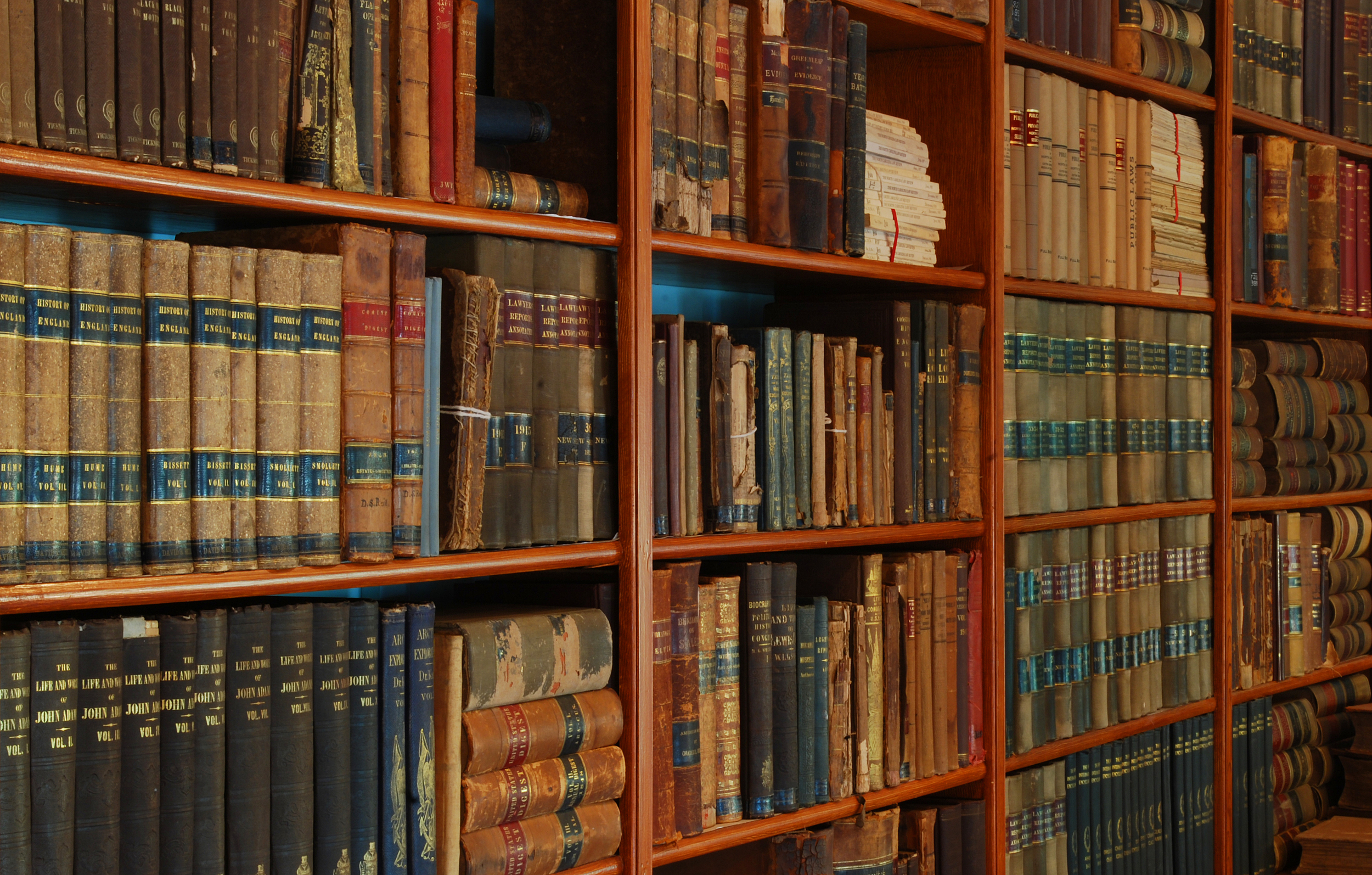 Brought to you from the link library of the Gentleman Stationer, photo courtesy of Barta IV (via Flickr  creative commons .