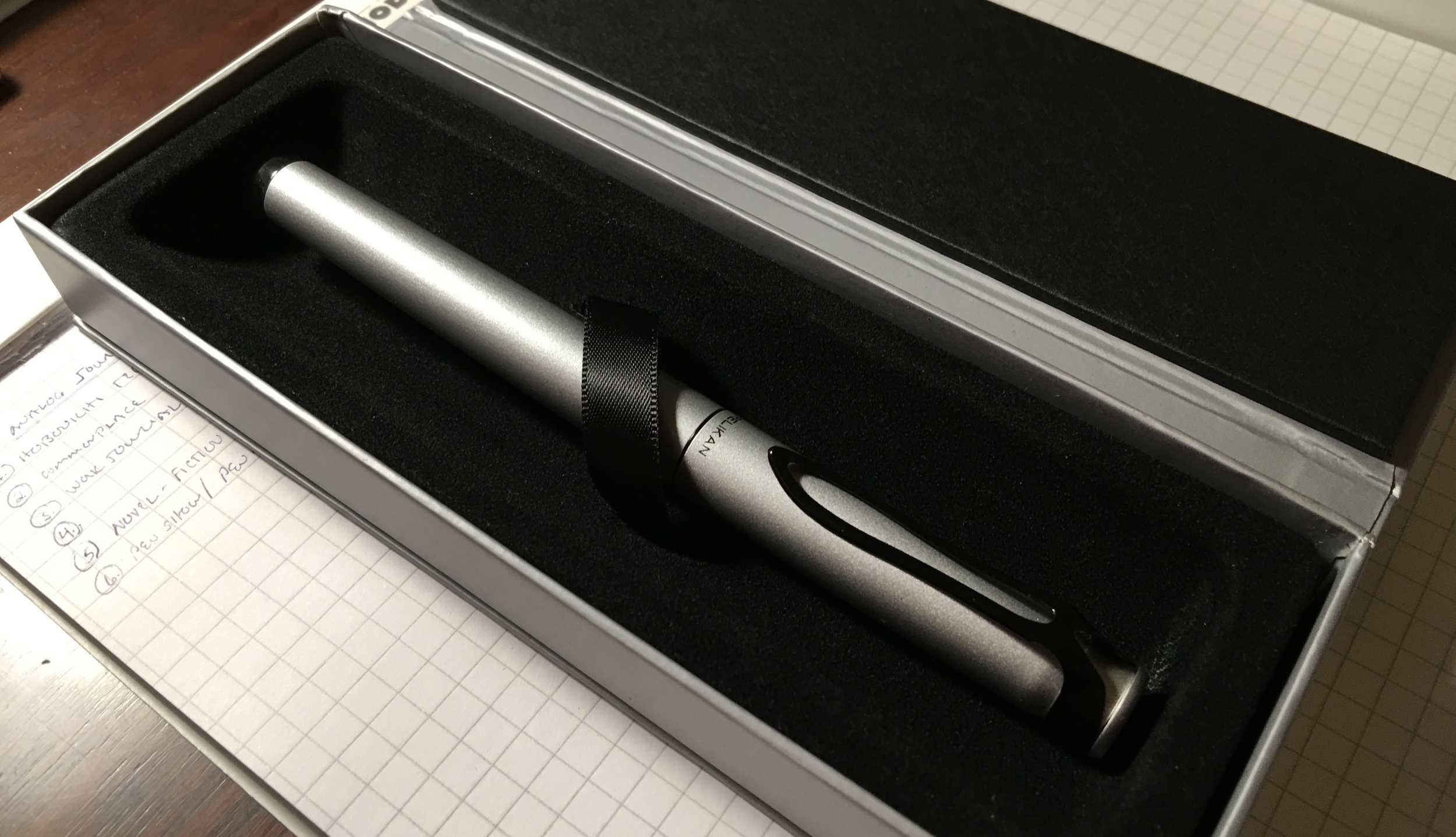 The packaging on the Stola is appropriate for the pen's price point:  simple and understated, yet still sophisticated.