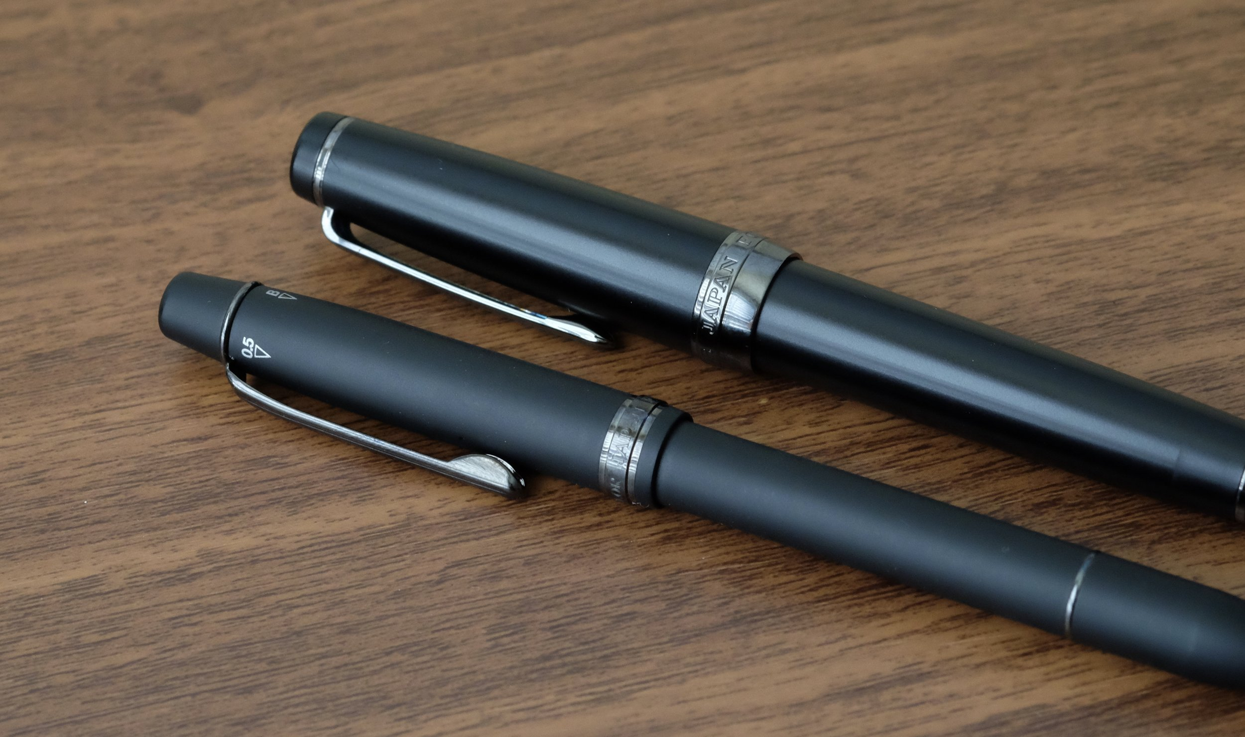 The black ion-plated trim on the multi pen matches the trim on the Professional Gear fountain pen nicely.