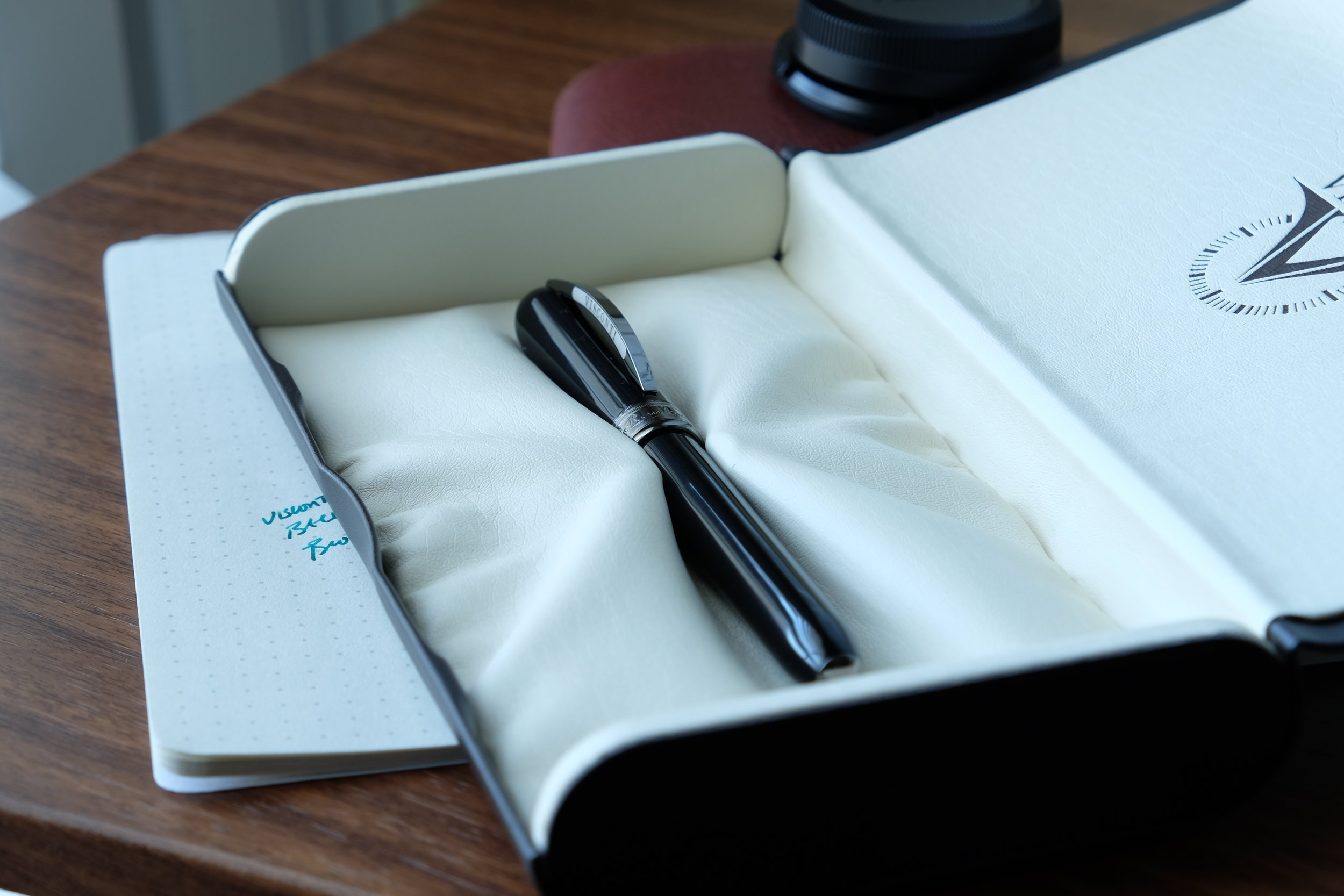 Visconti-Rembrandt-in-Packaging