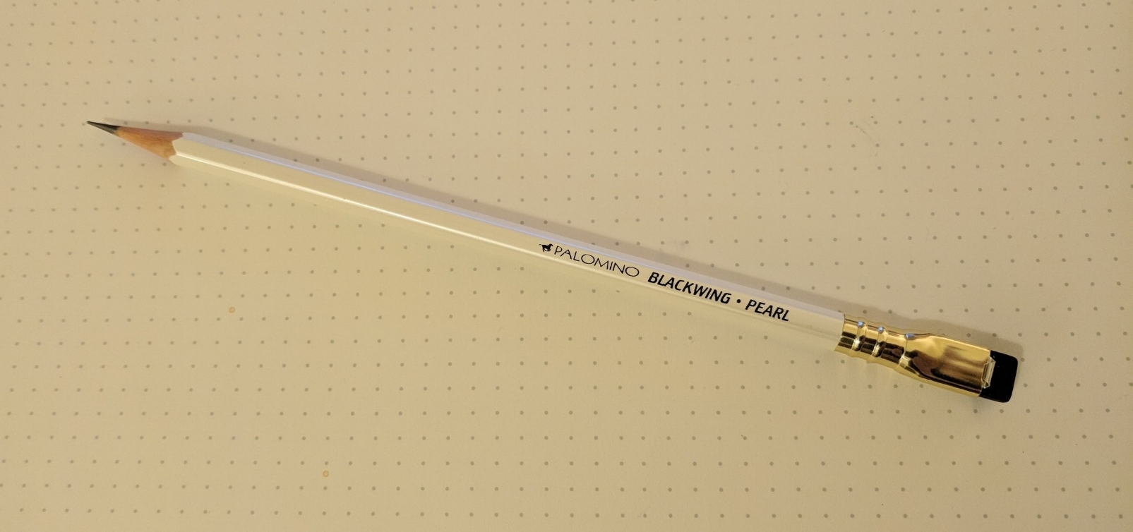 Blackwing-Pearl-Pencil