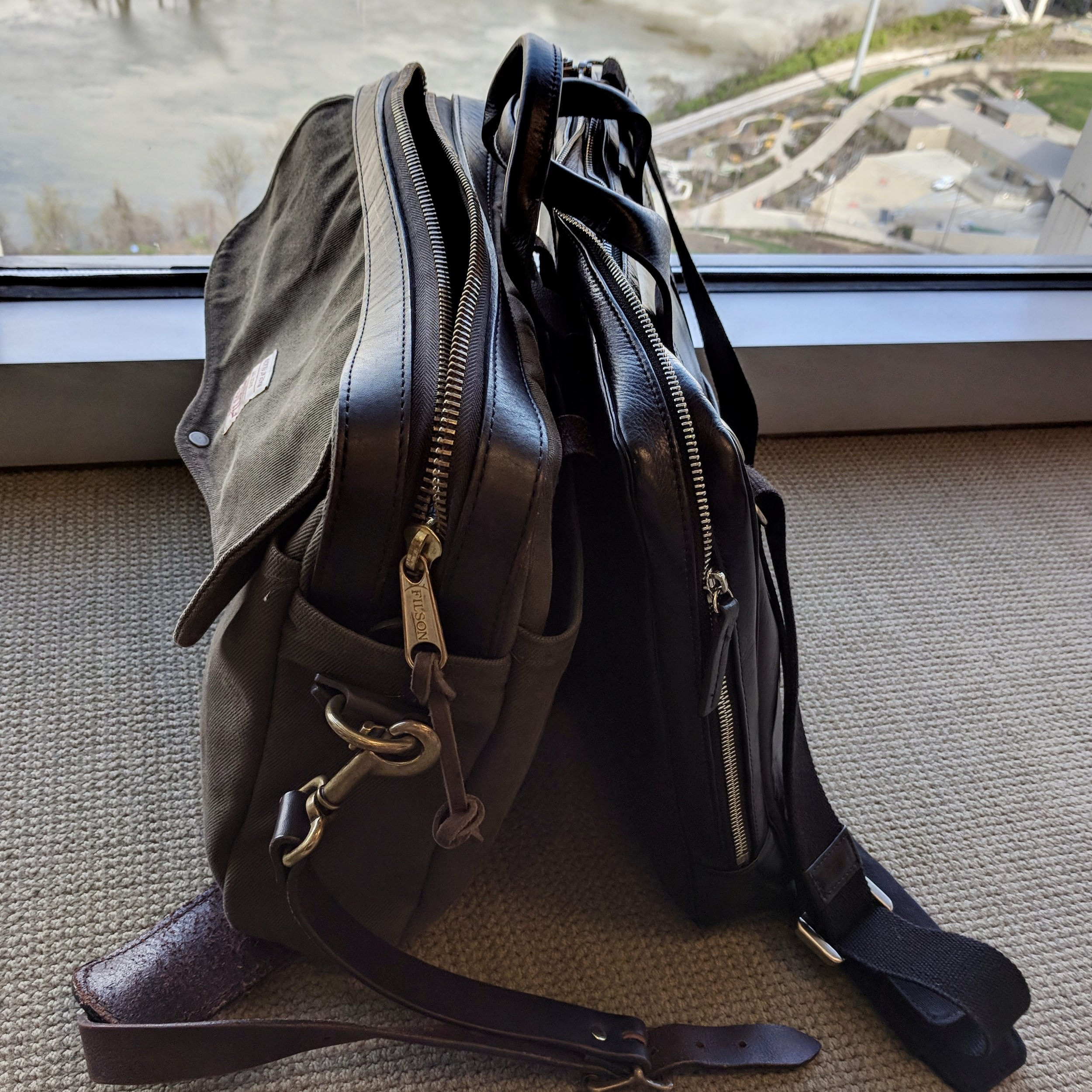 Filson v. Toffee Lincoln size comparison
