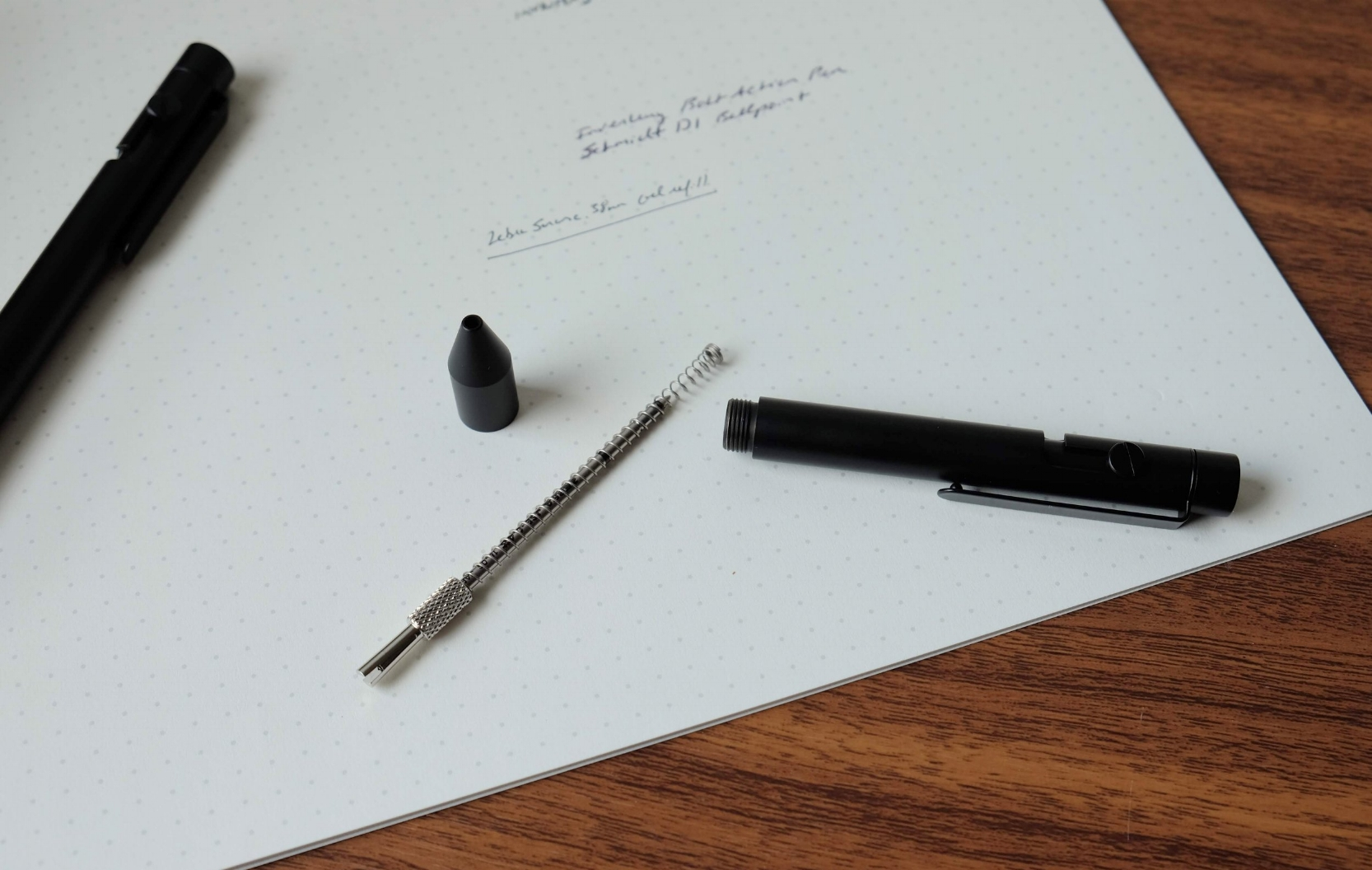 The small pen comes fitted with a D1 adapter that allows you to use any D1 refill.