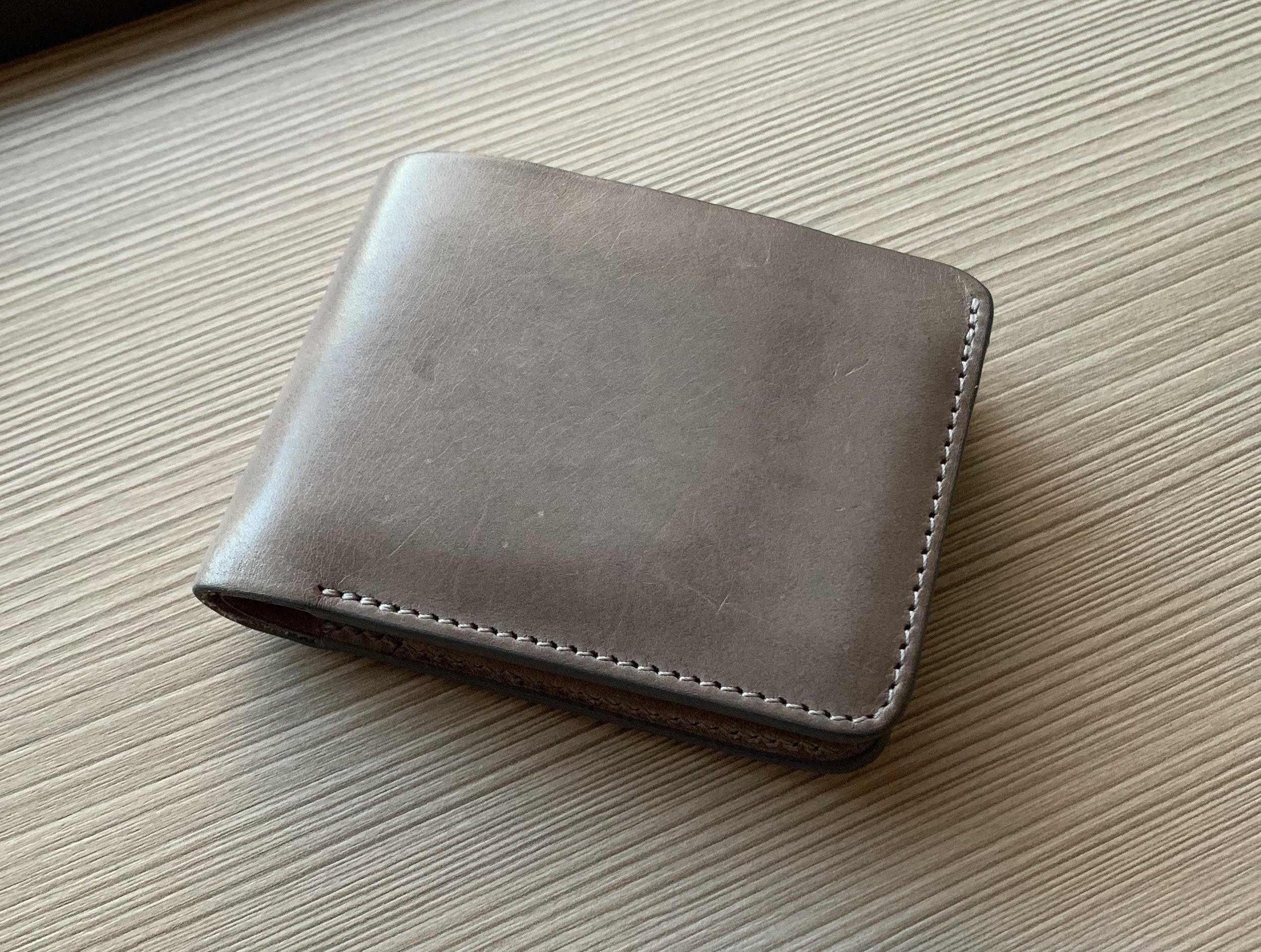 Baron-Fig-Slim-Bifold-Wallet