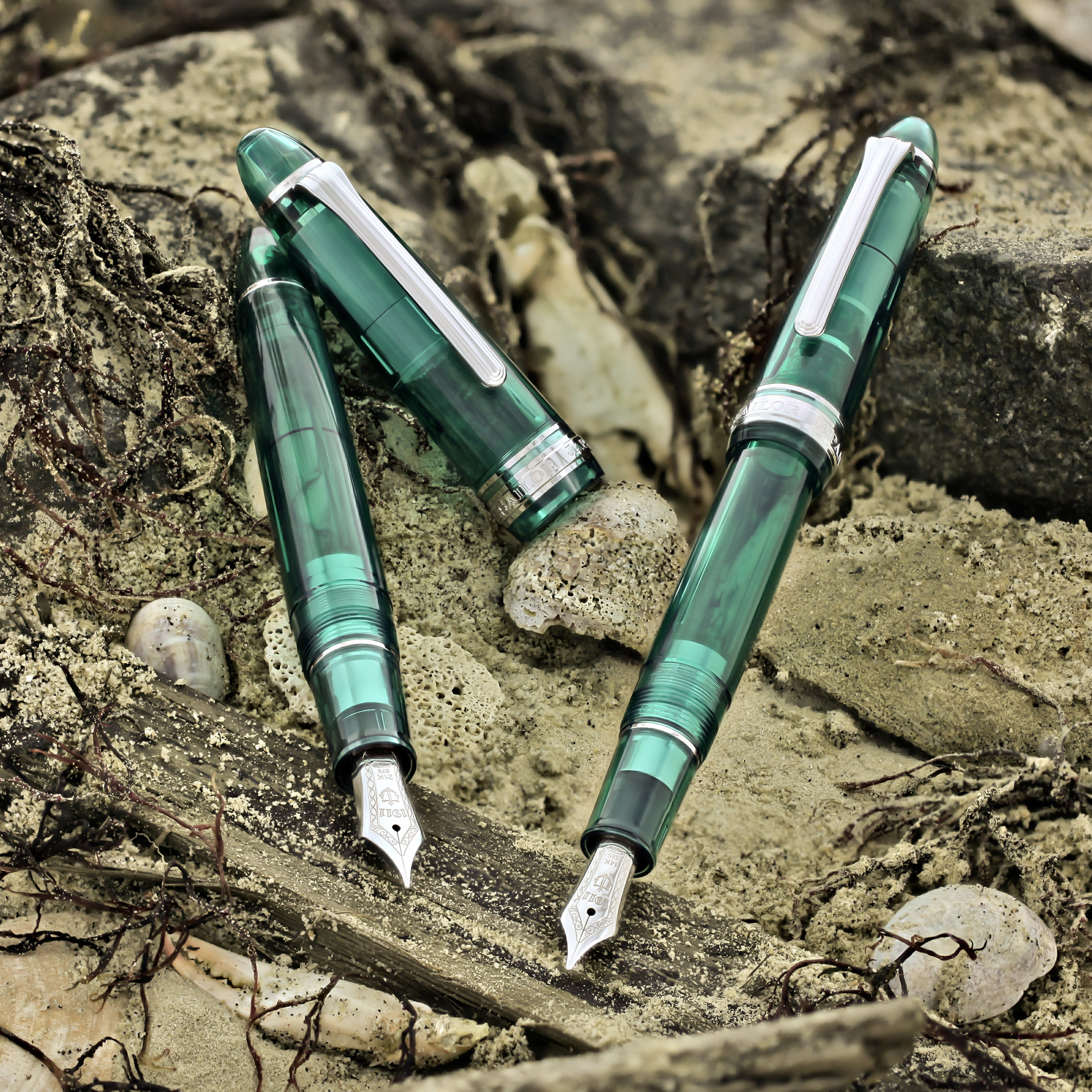 Sailor-1911-Sea-Glass-Fountain-Pen-Goldspot-Store-Exclusive