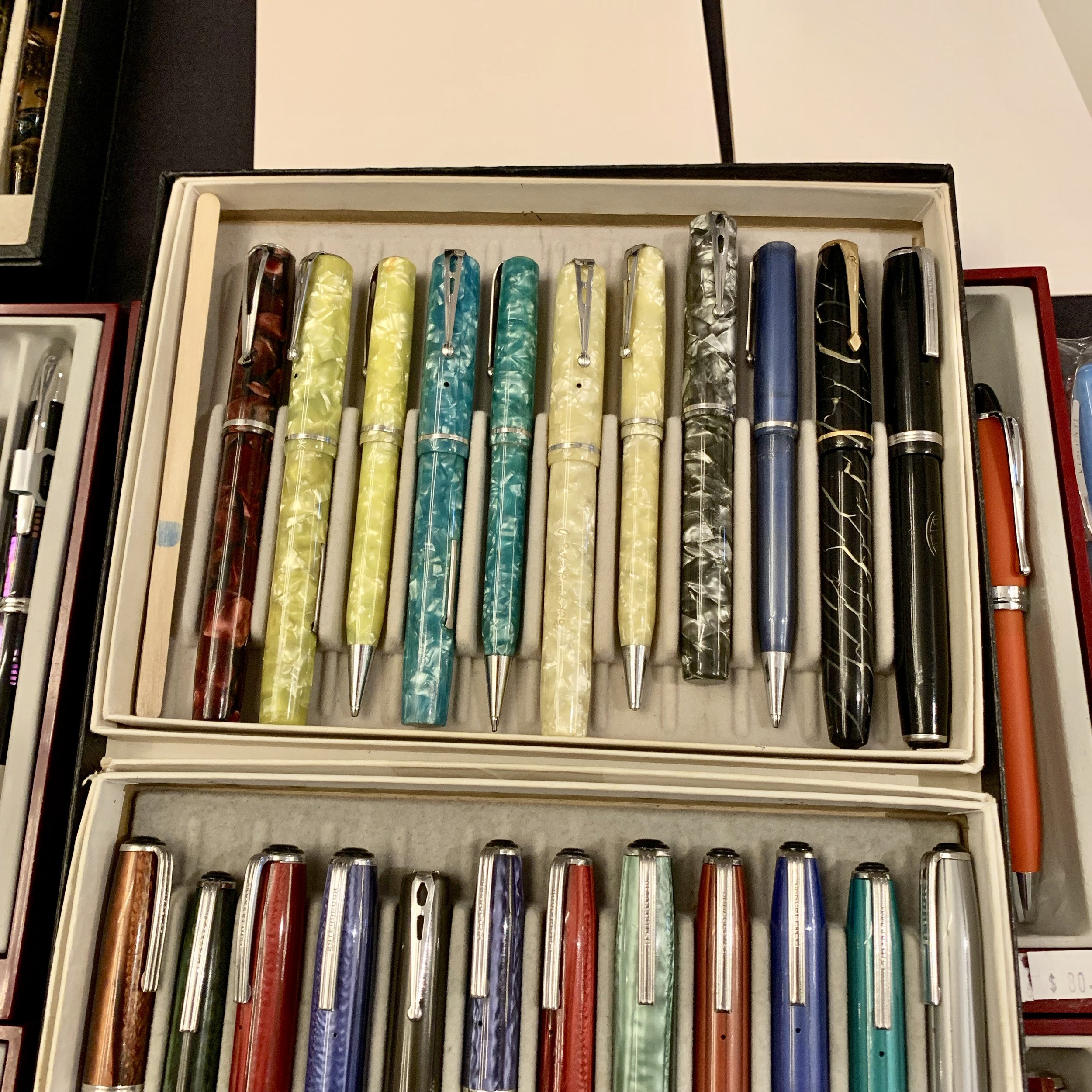 "And, of course,  Brian Anderson  showed me some rare Esterbrook ""V-Clip"" and Relief pens that he had ""under glass"" at the table. The kind of stuff you can only see at a Pen Show!"