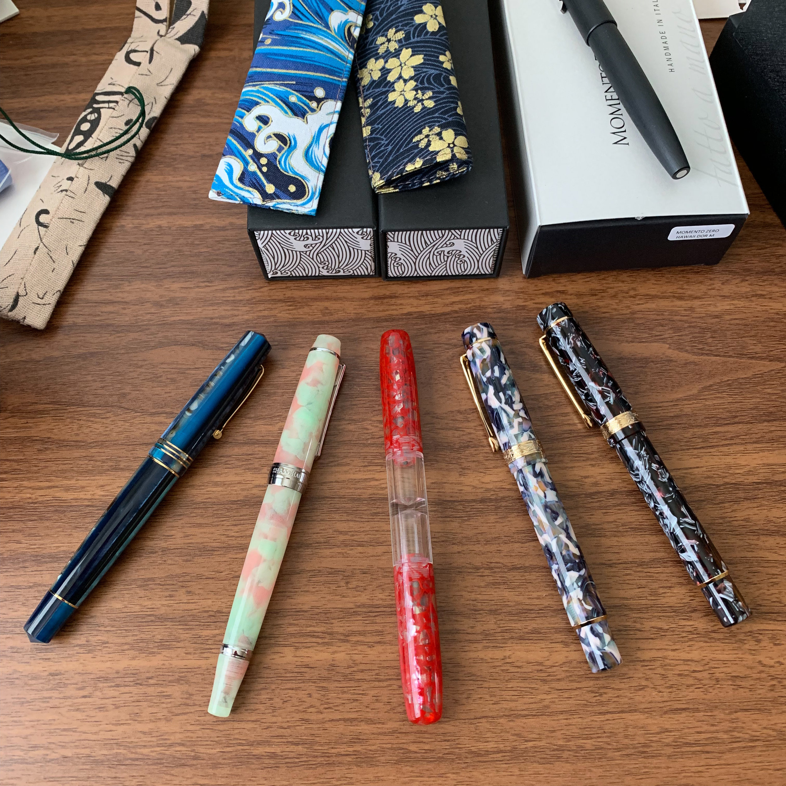 I FINALLY get to ink up some of last week's mail call! I went with some of the three PenBBS pens on the left.